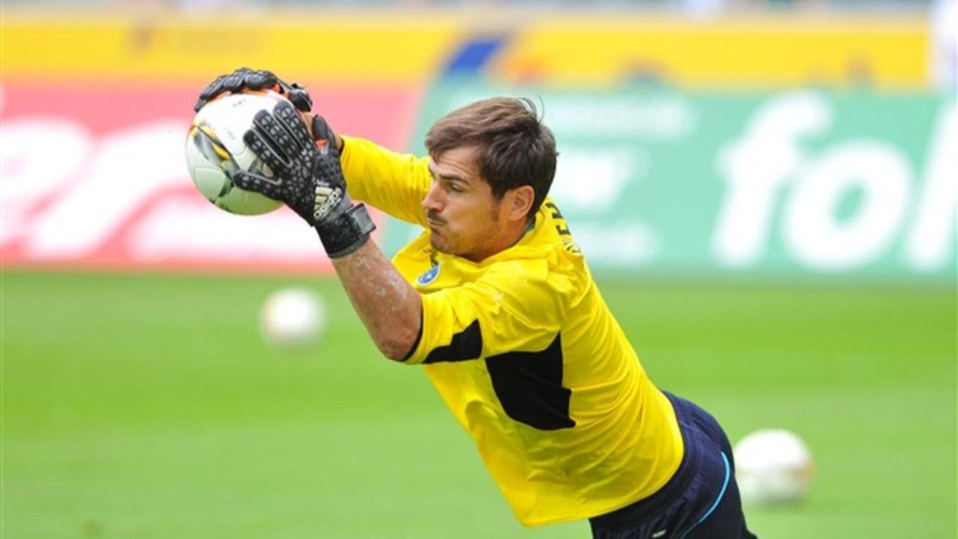 3000x2000 Iker Casillas Images