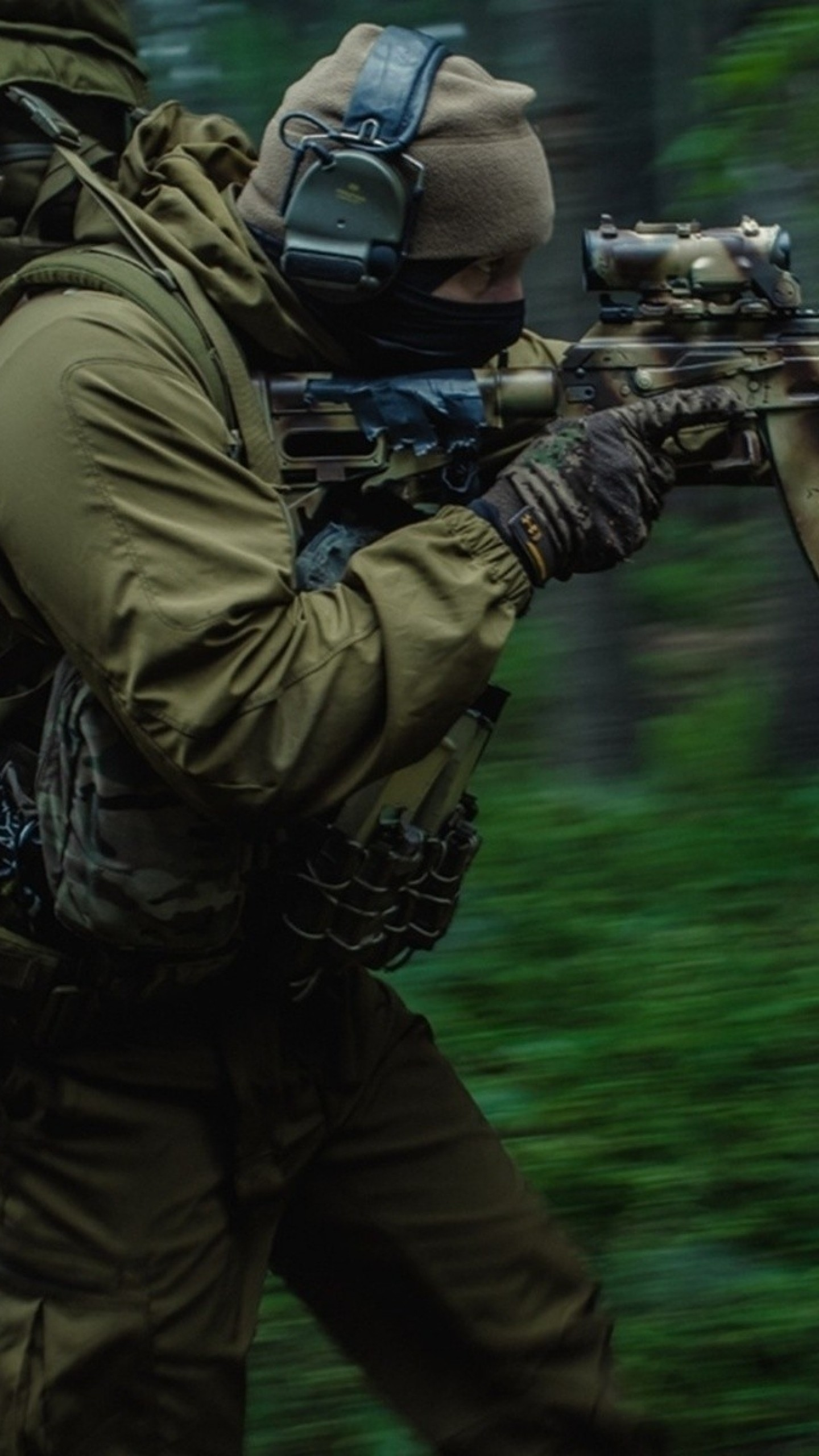 1440x2560  Wallpaper soldiers, night, forest, weapons