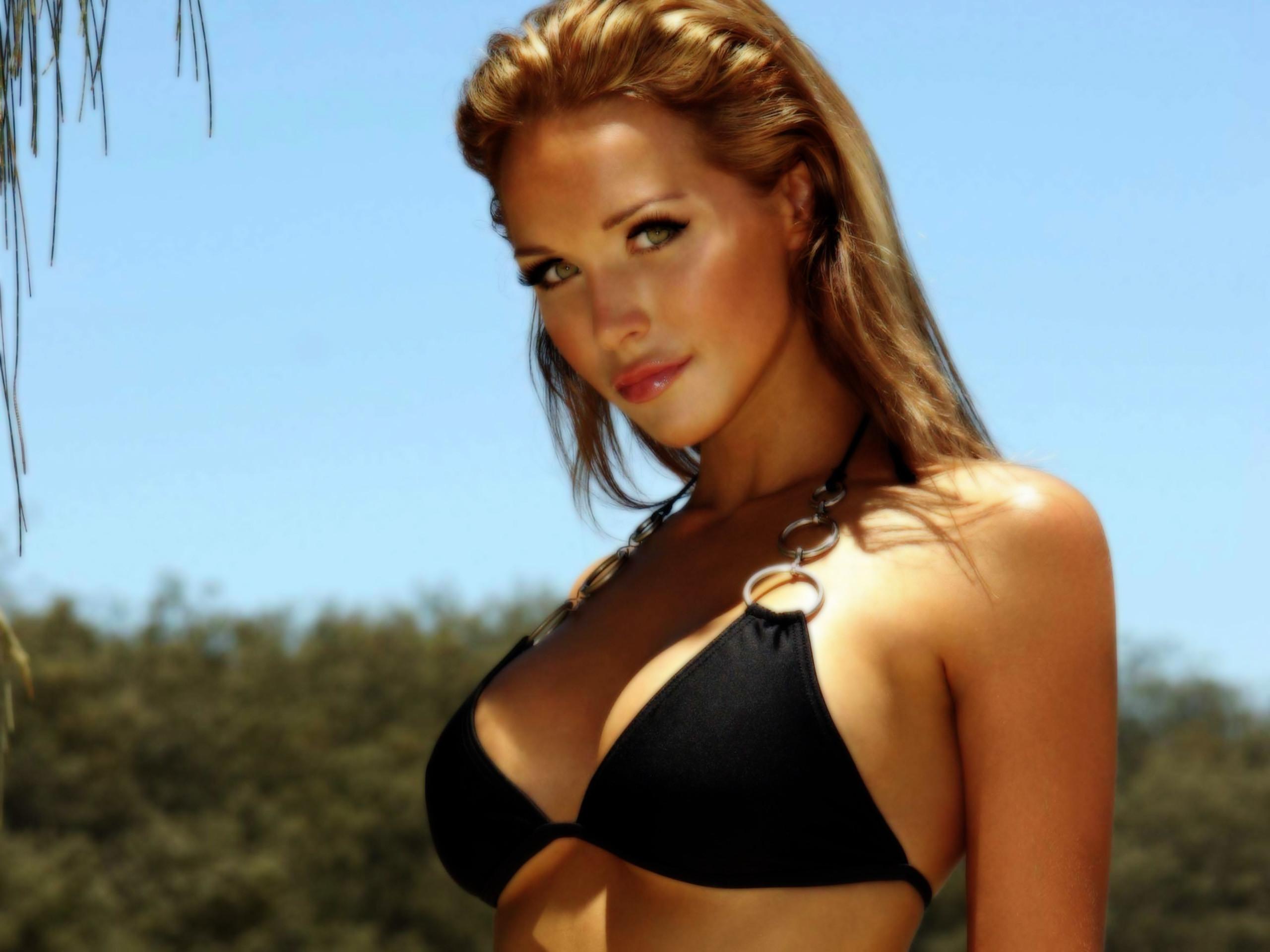 scott bikini Emily