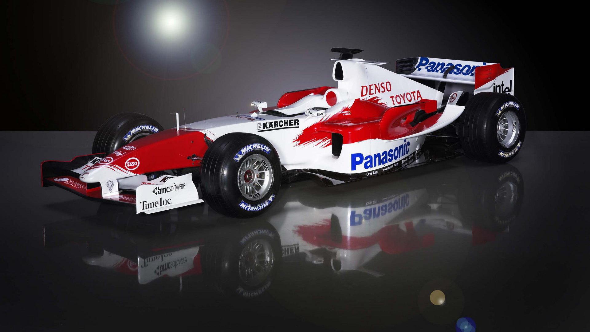 1920x1080 Toyota TF105 launch front-left ...