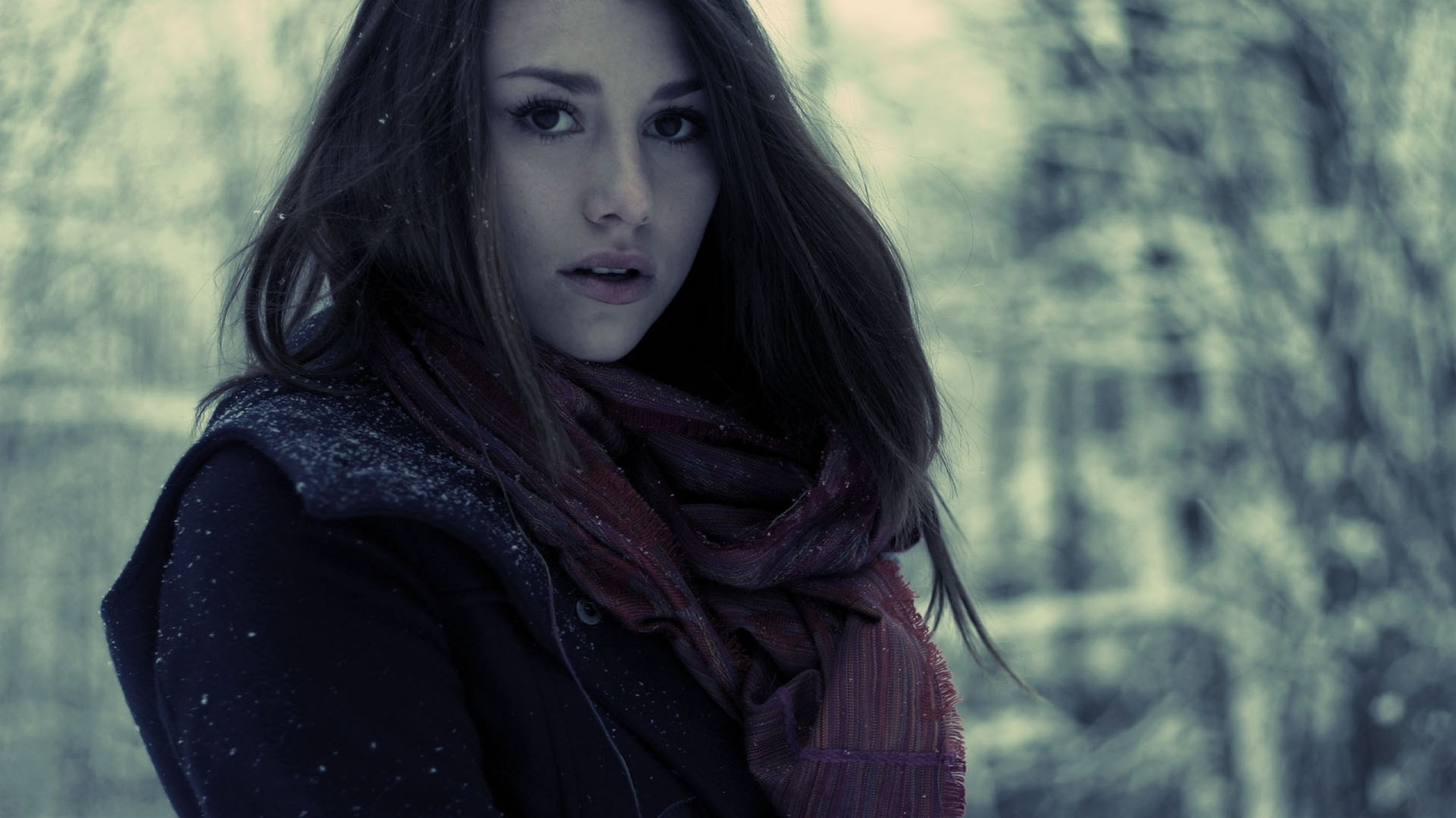 2560x1440 Cute, Beautiful, Girl, Face, Scarf, Hair, Eyes, Innocent