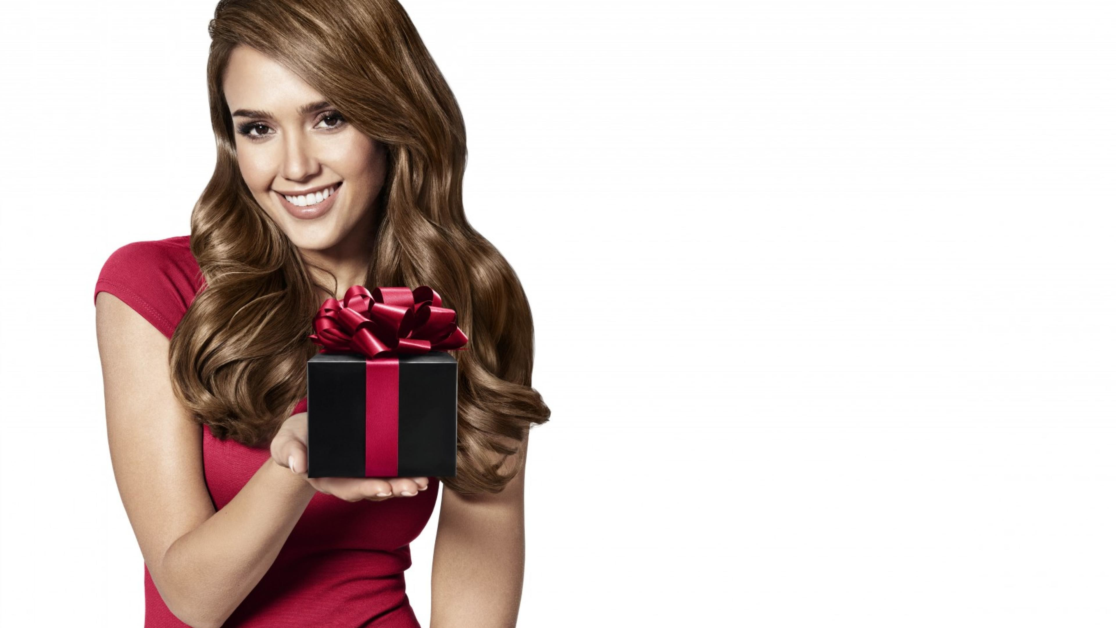3840x2160 Jessica Alba Beautiful Smile HD Wallpaper