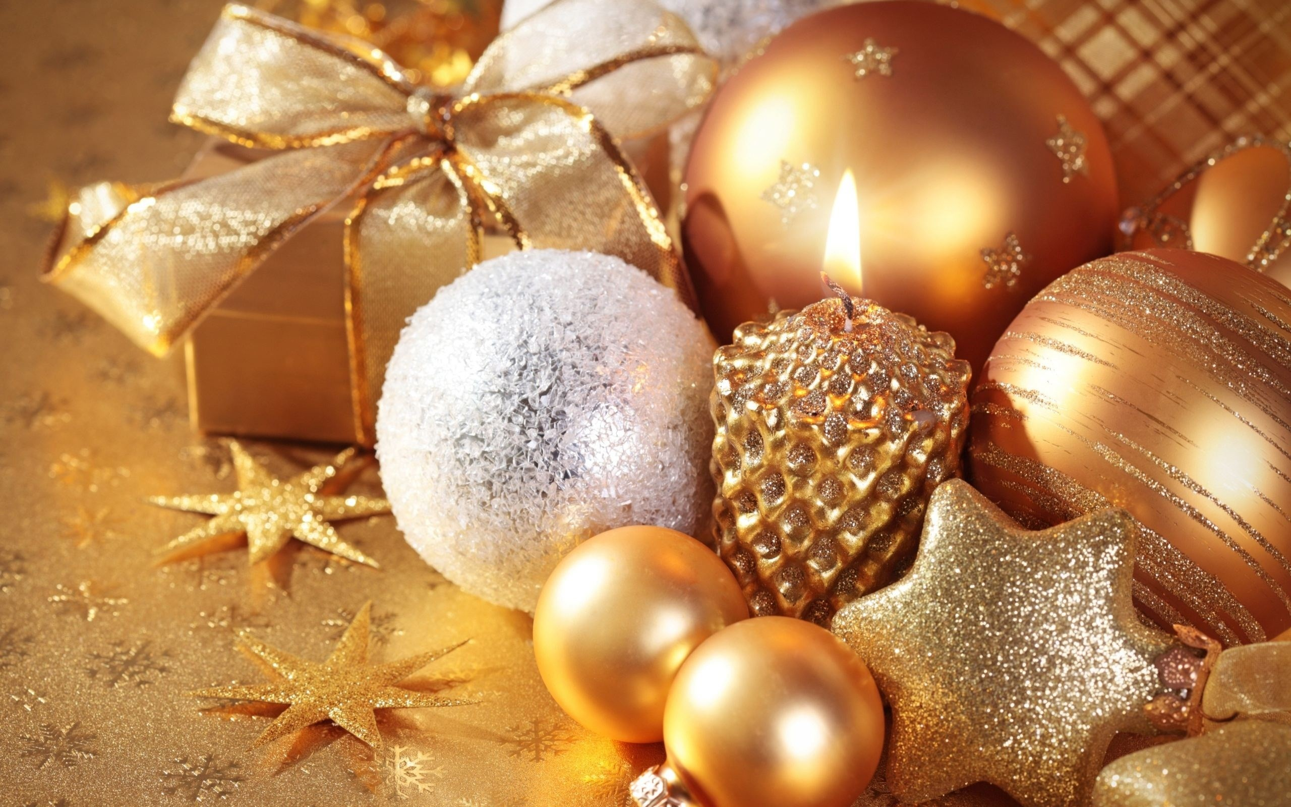 Christmas Ornaments Wallpaper (71+ images)