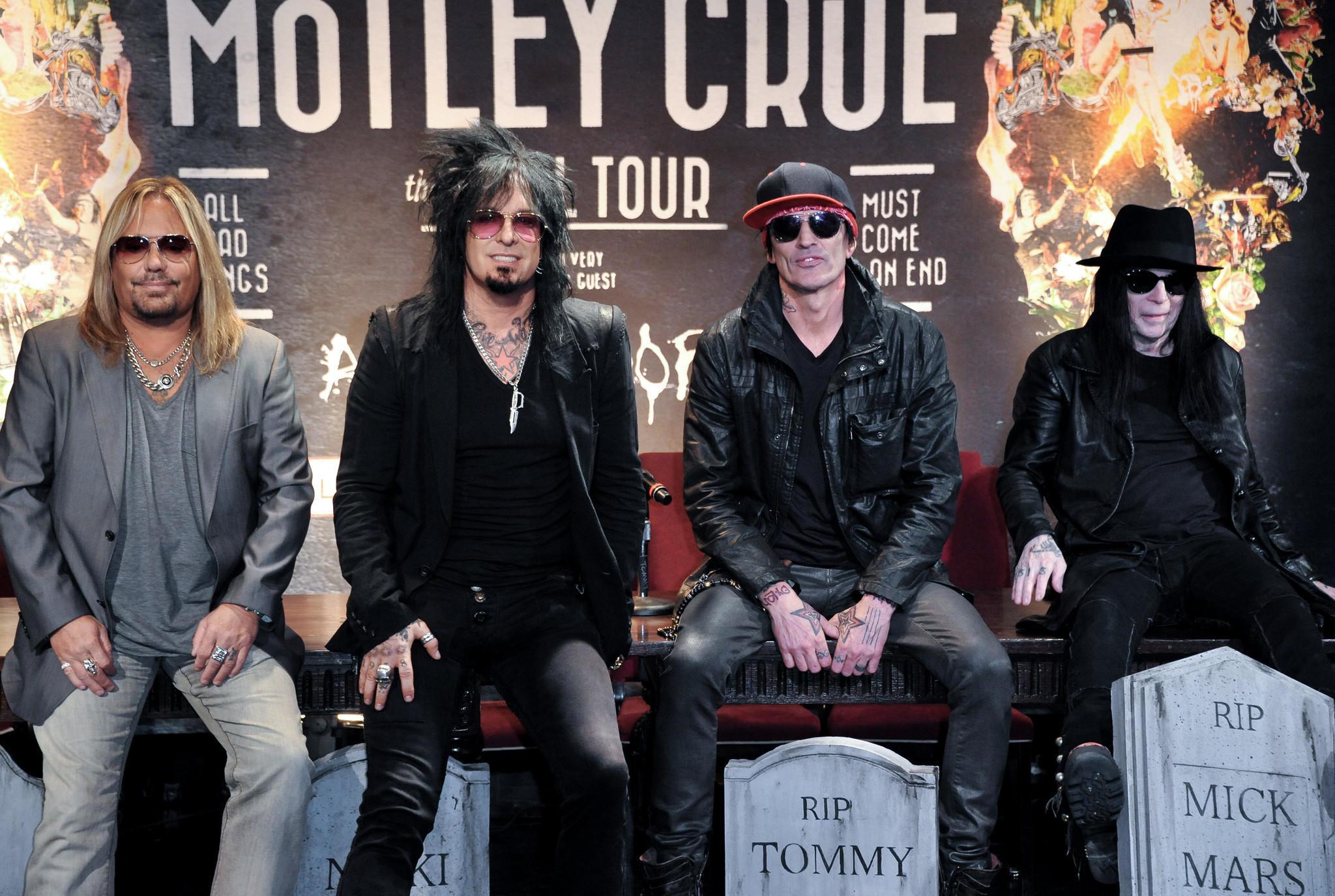 mötley crüe photos download final tour