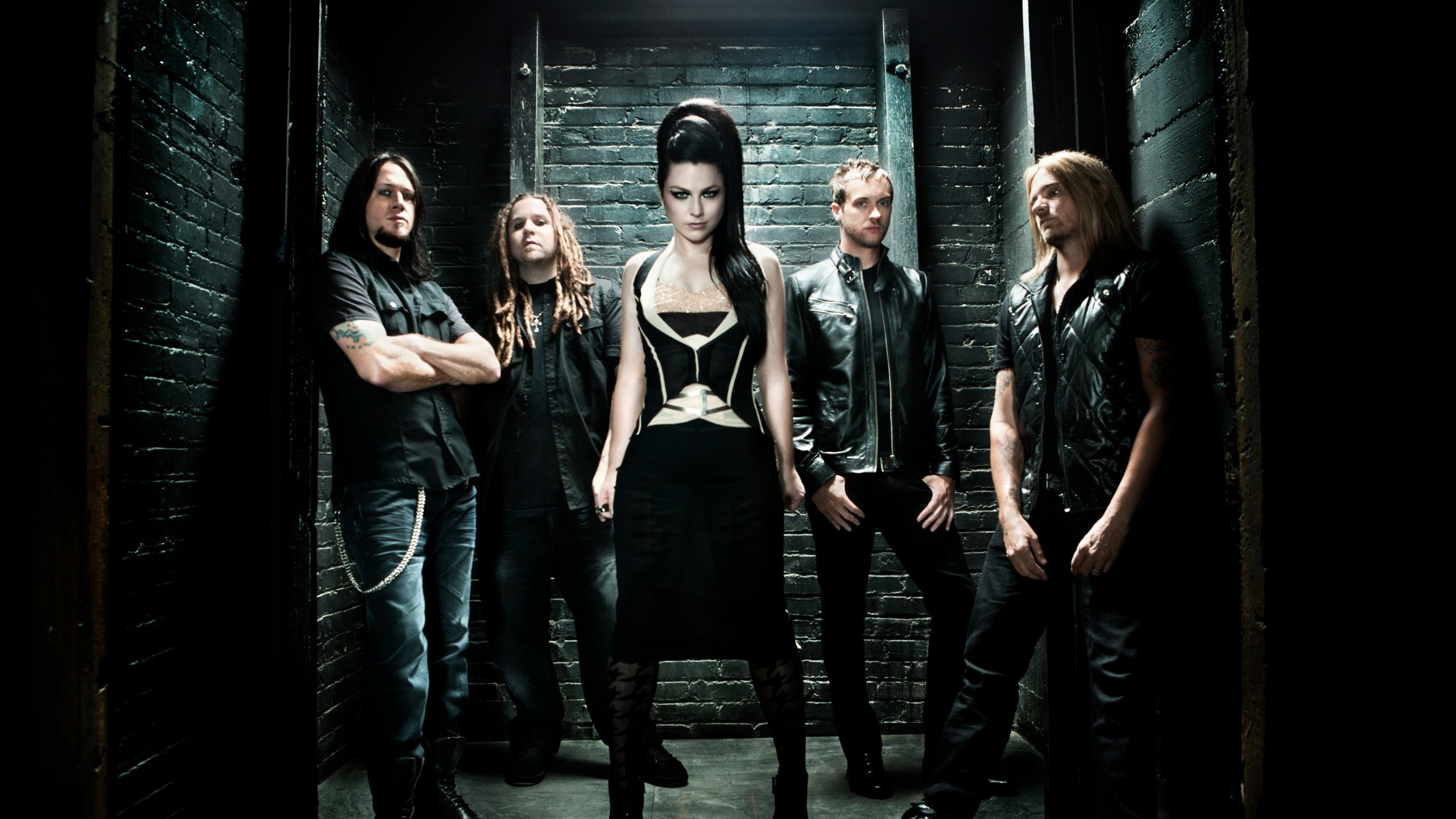 2560x1440 Grammy winning rock group Evanescence last hit the charts five years ago  with their first chart topping album, The Open Door, and now it's deja vu  as their ...