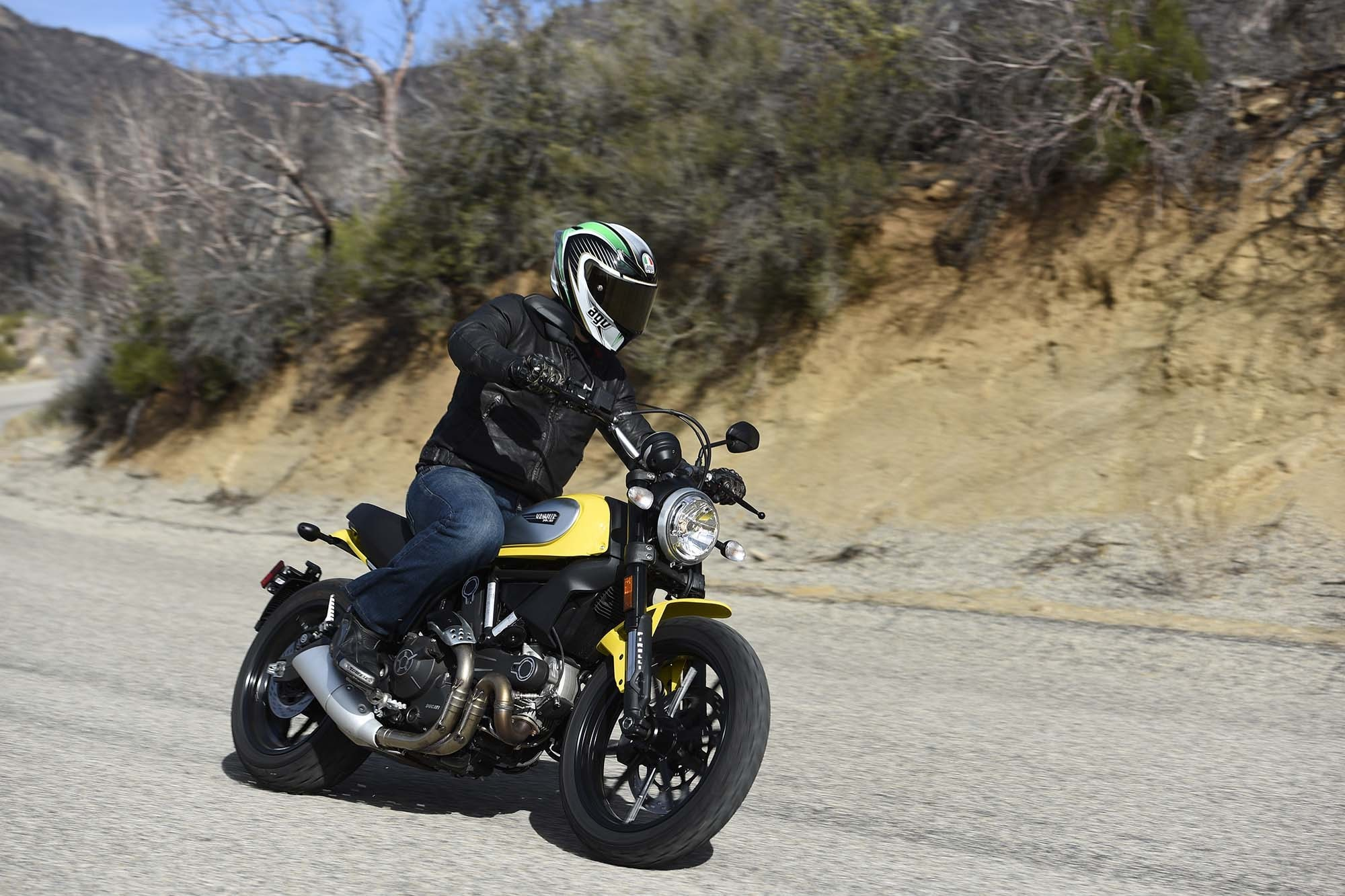 2000x1333 Ducati-Scrambler-Icon-launch-Palm-Springs-06