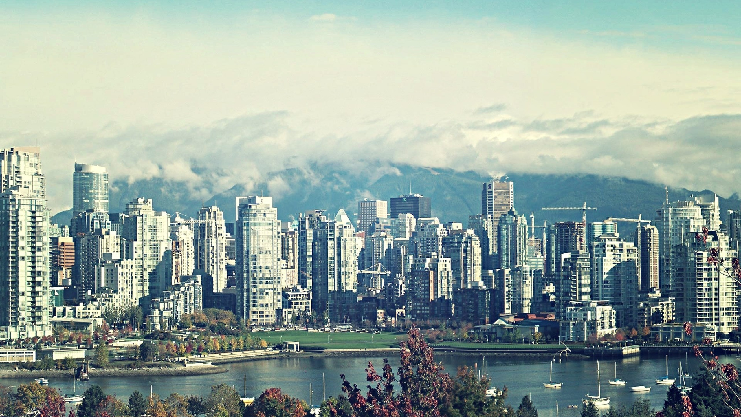 2560x1440 Vancouver Skyline 2014 wallpaper