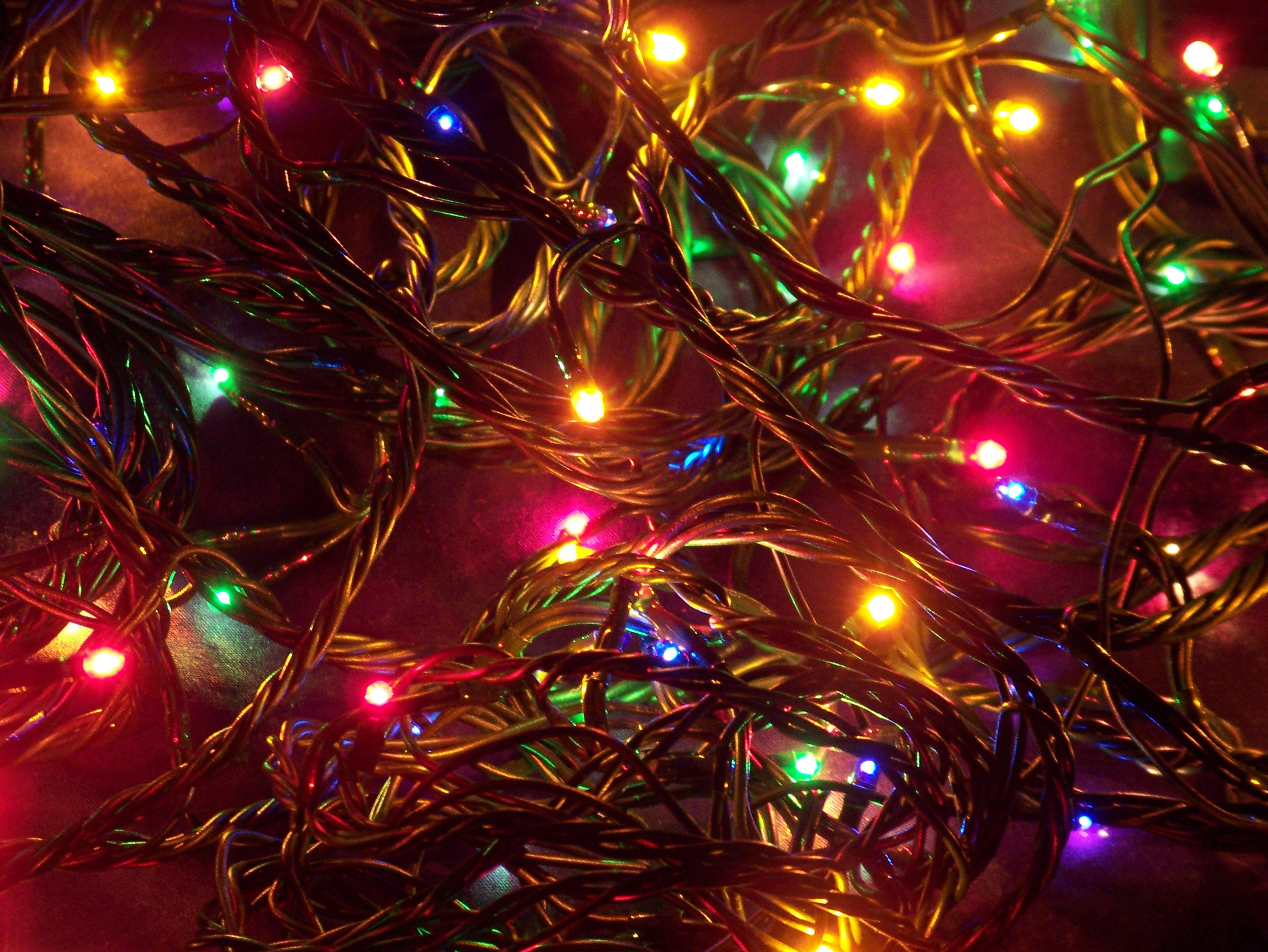 2832x2128 String Of Christmas Tree Lights