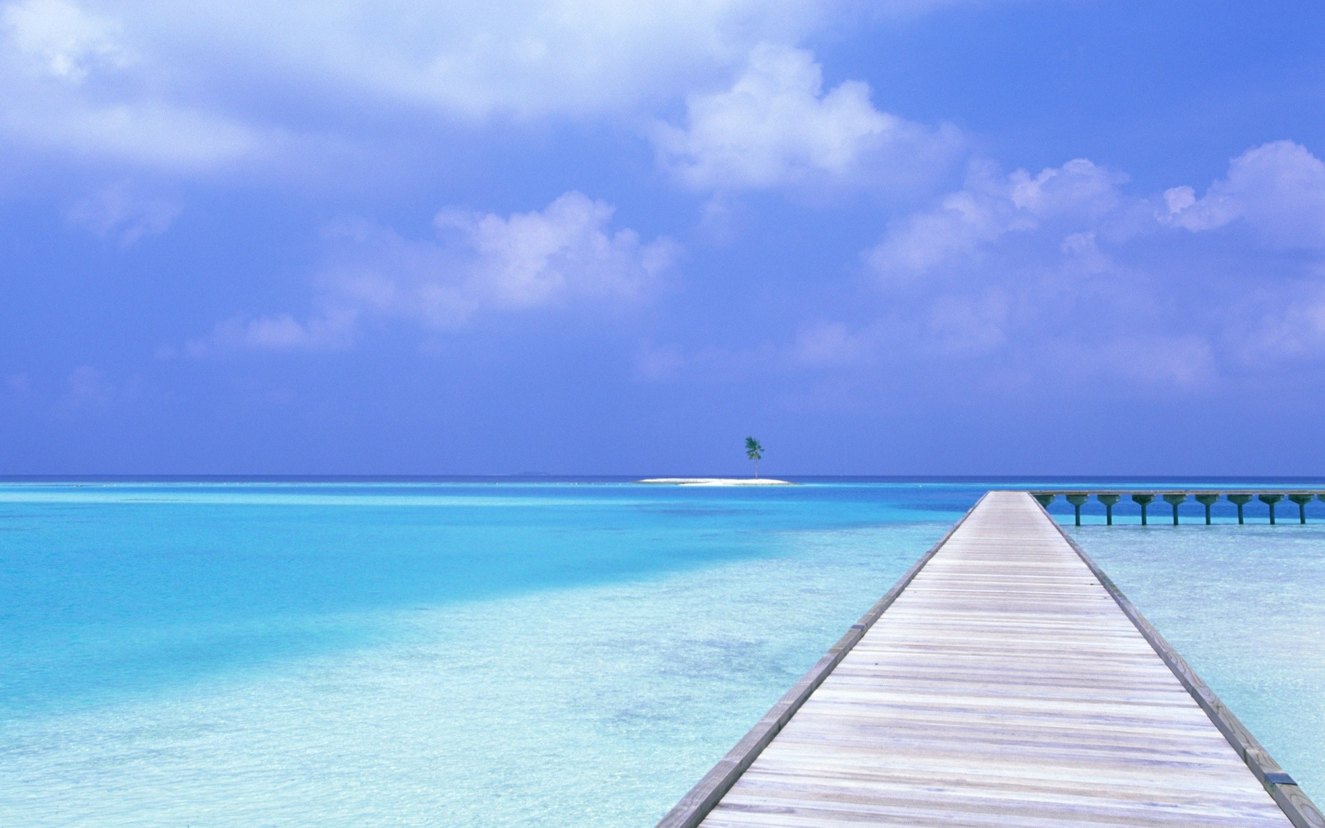 1920x1200 Blue Sky Blue Water Wallpapers