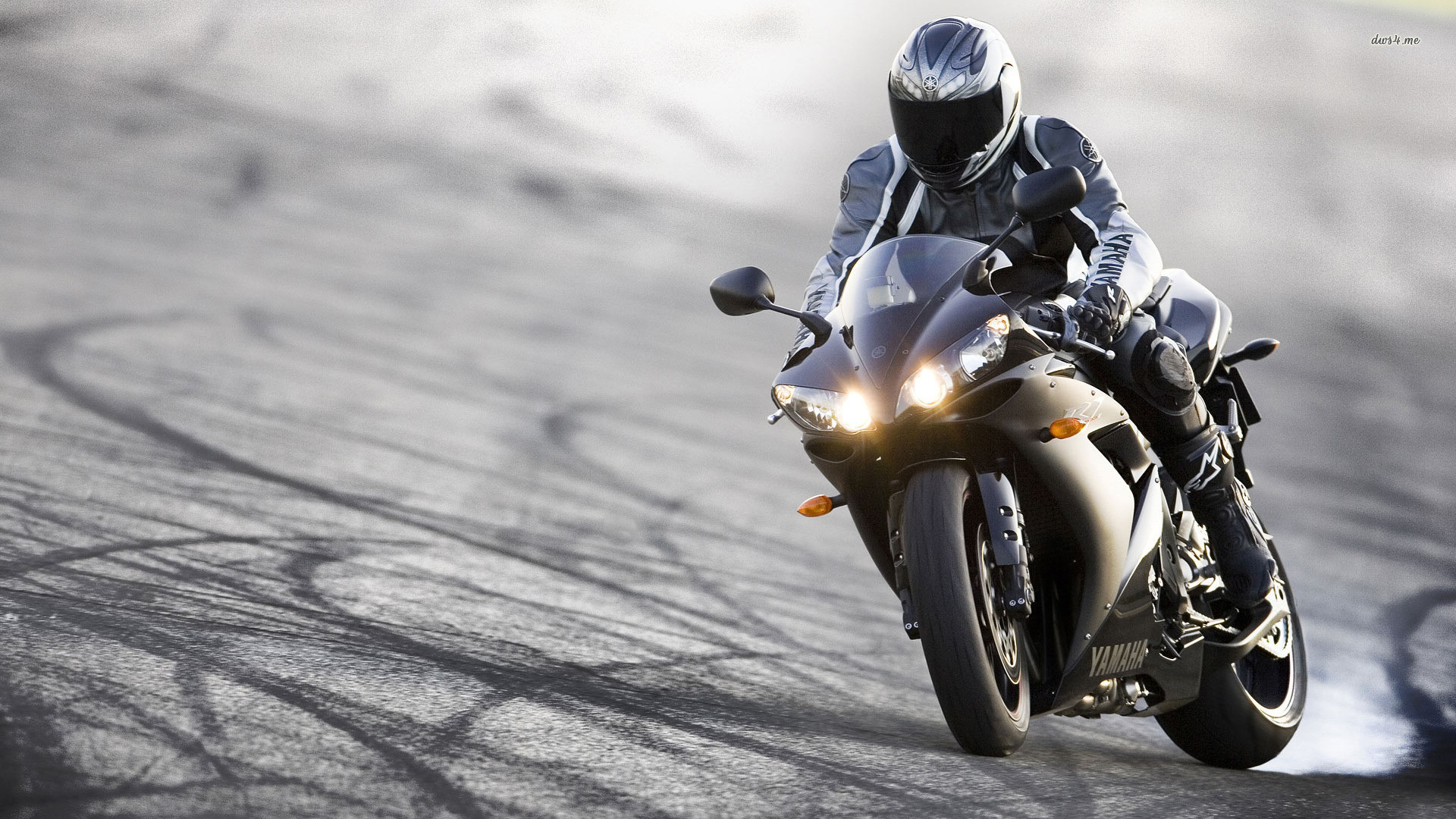 Фото мотоциклистов на аву в вк для пацанов