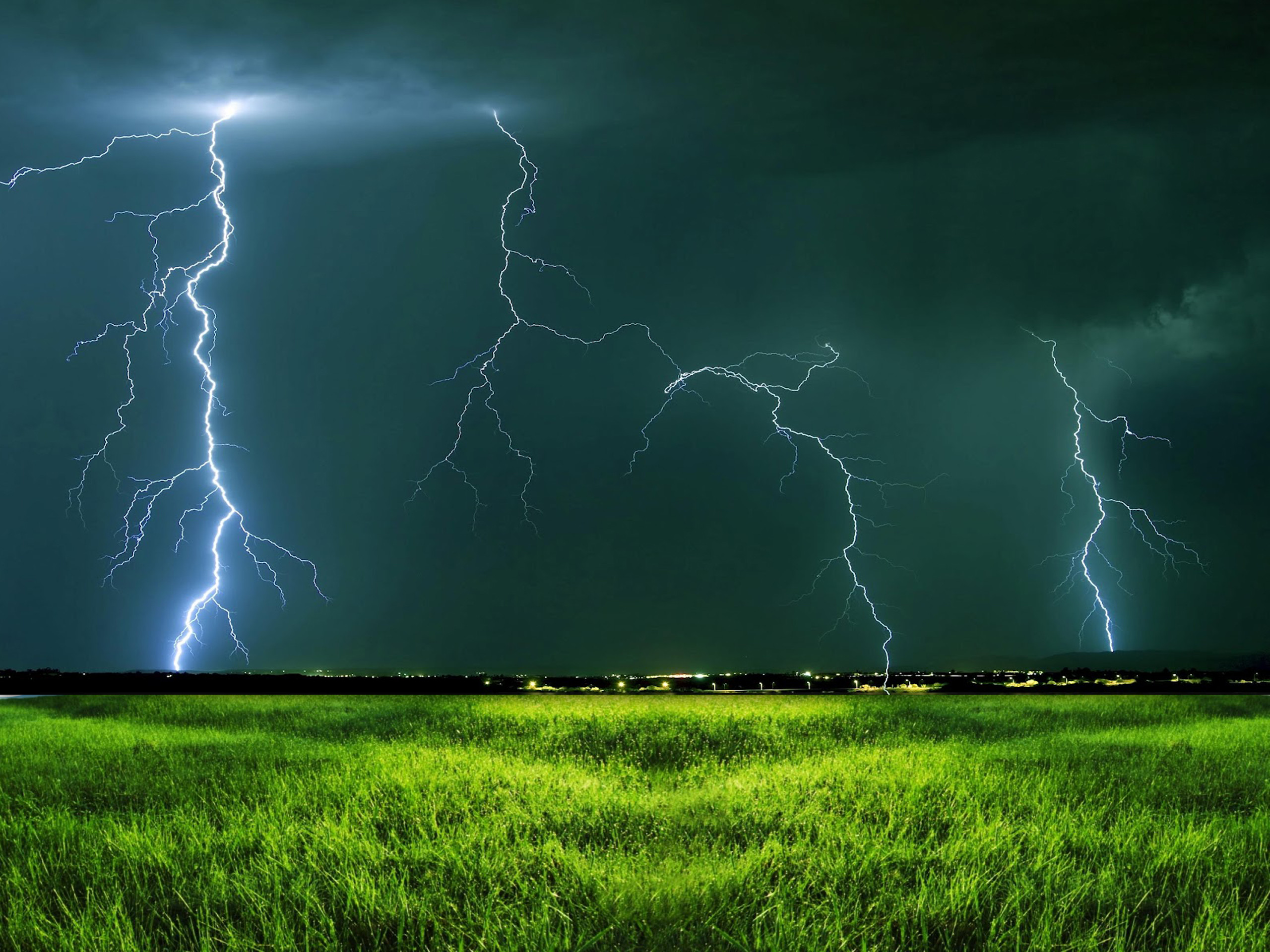 2560x1920 Thunder and Lightning Storms | Natural Thunder lightning HD Wallpapers  [1920x1080] ( longwallpapers .