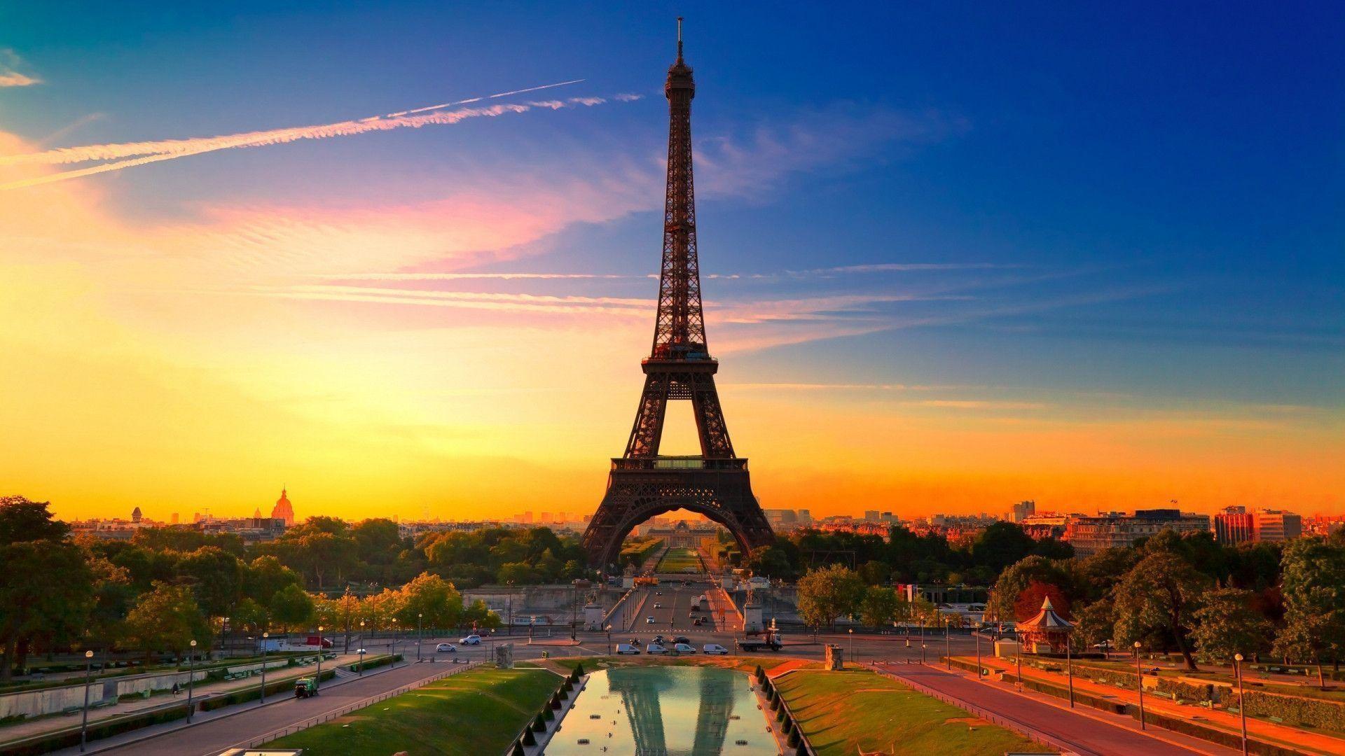 Seine River Cruise Guide - Riviera Travel Blog  |Paris