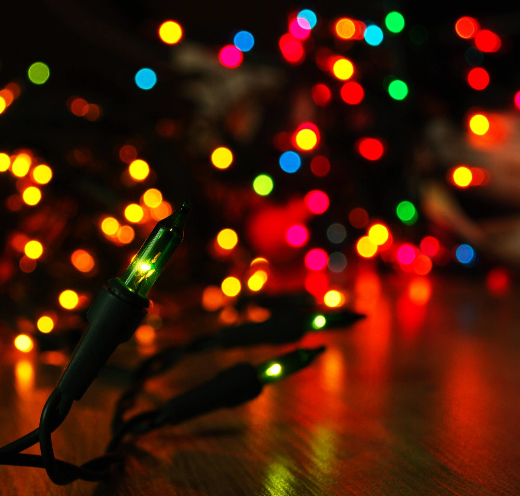 2195x2094 Wallpapers For > Christmas Tree Lights Desktop Background