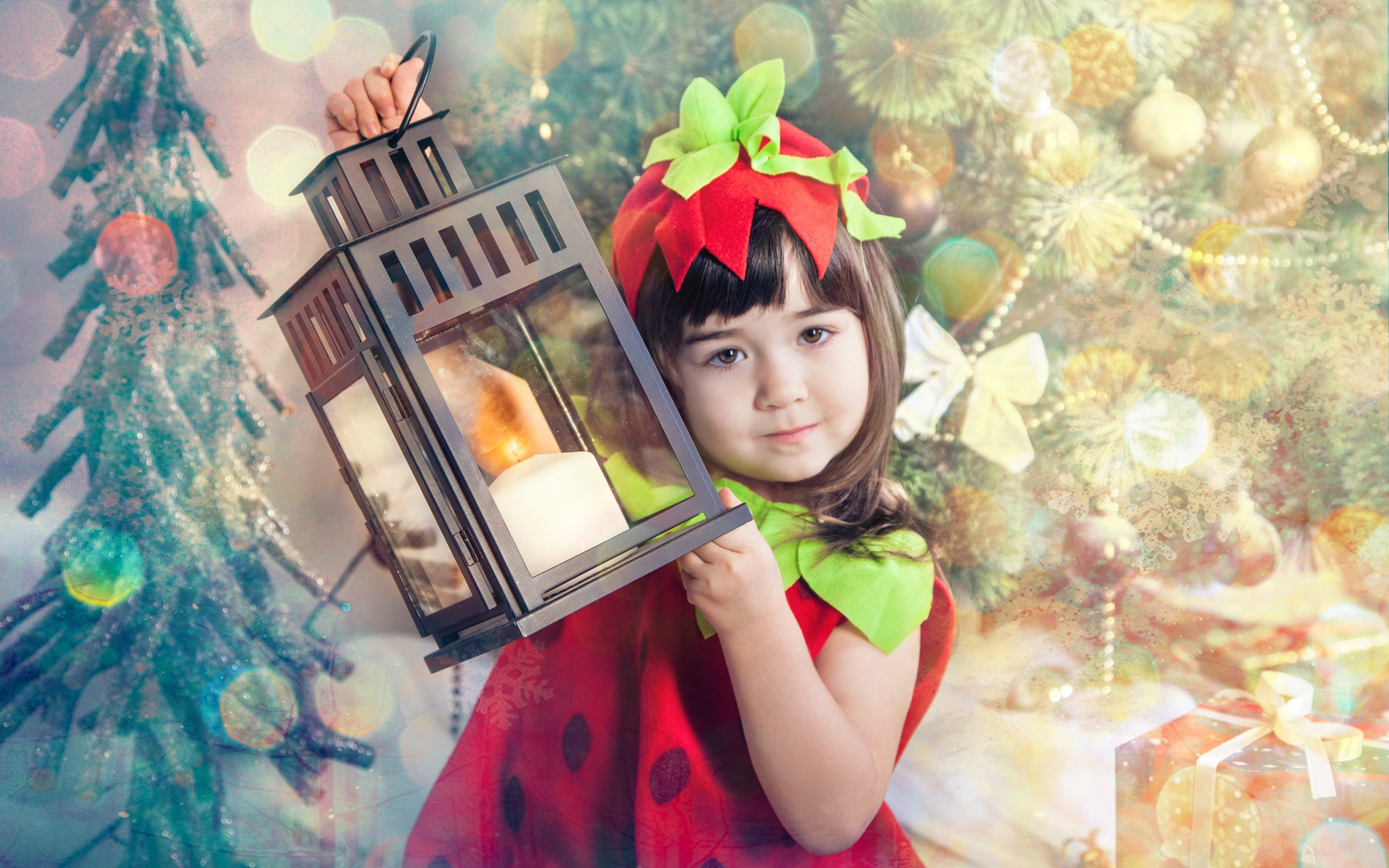 2560x1600 Cute Girl With New Year Lantern | 2560 x 1600 | Download | Close
