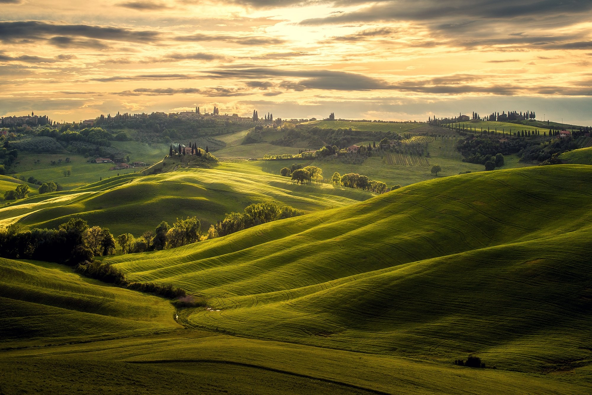 2000x1335 download, windows , stock, nature italy, landscape, green,clouds, free,  desktop images, tuscany Wallpaper HD