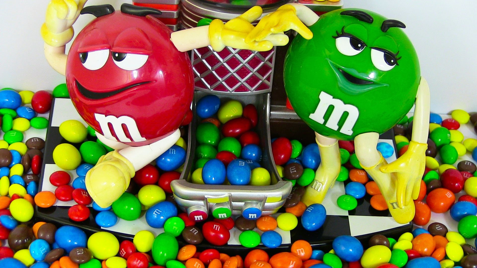 1920x1080 M&M's Candy Dispenser - Candy Machine Toy - ガムボールマシーン - YouTube