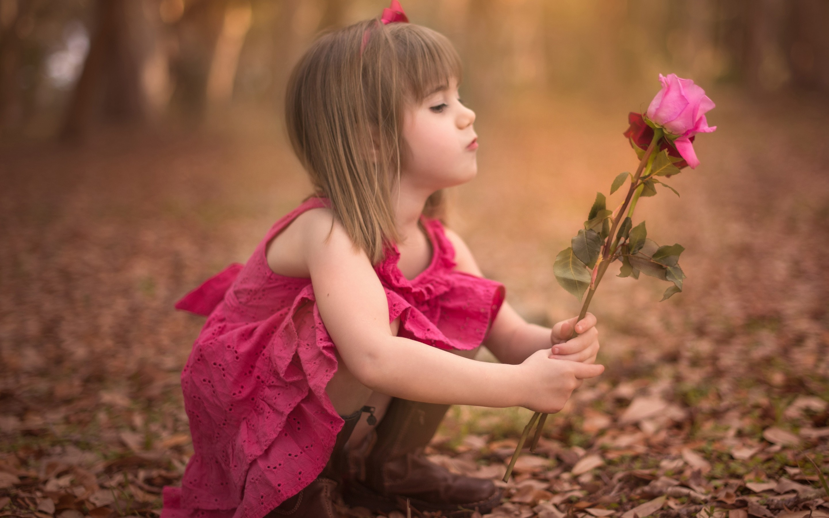2880x1800 Find Out Sweet Little Girl HD Images Wallpaper On