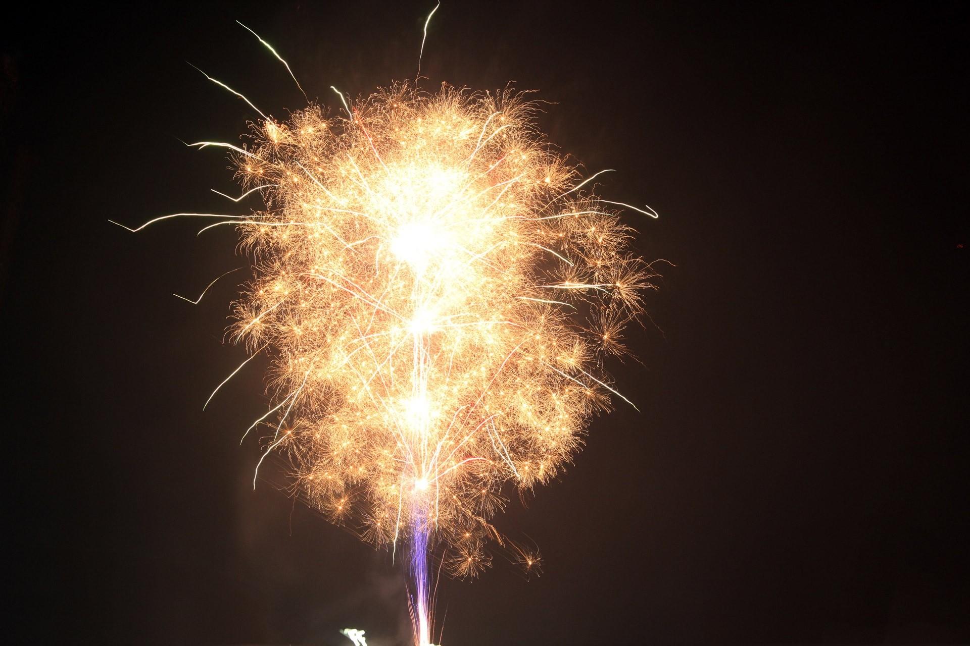christmas eve fireworks melbourne