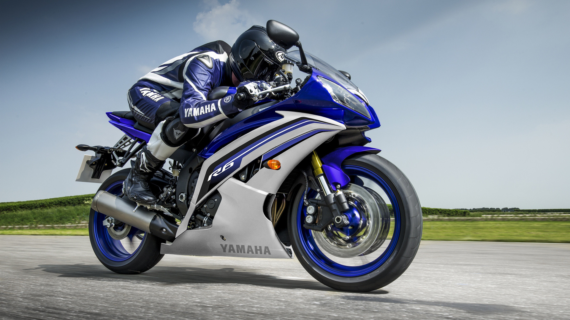 1920x1080 Download Yamaha R wallpapers to your cell phone awesome bike