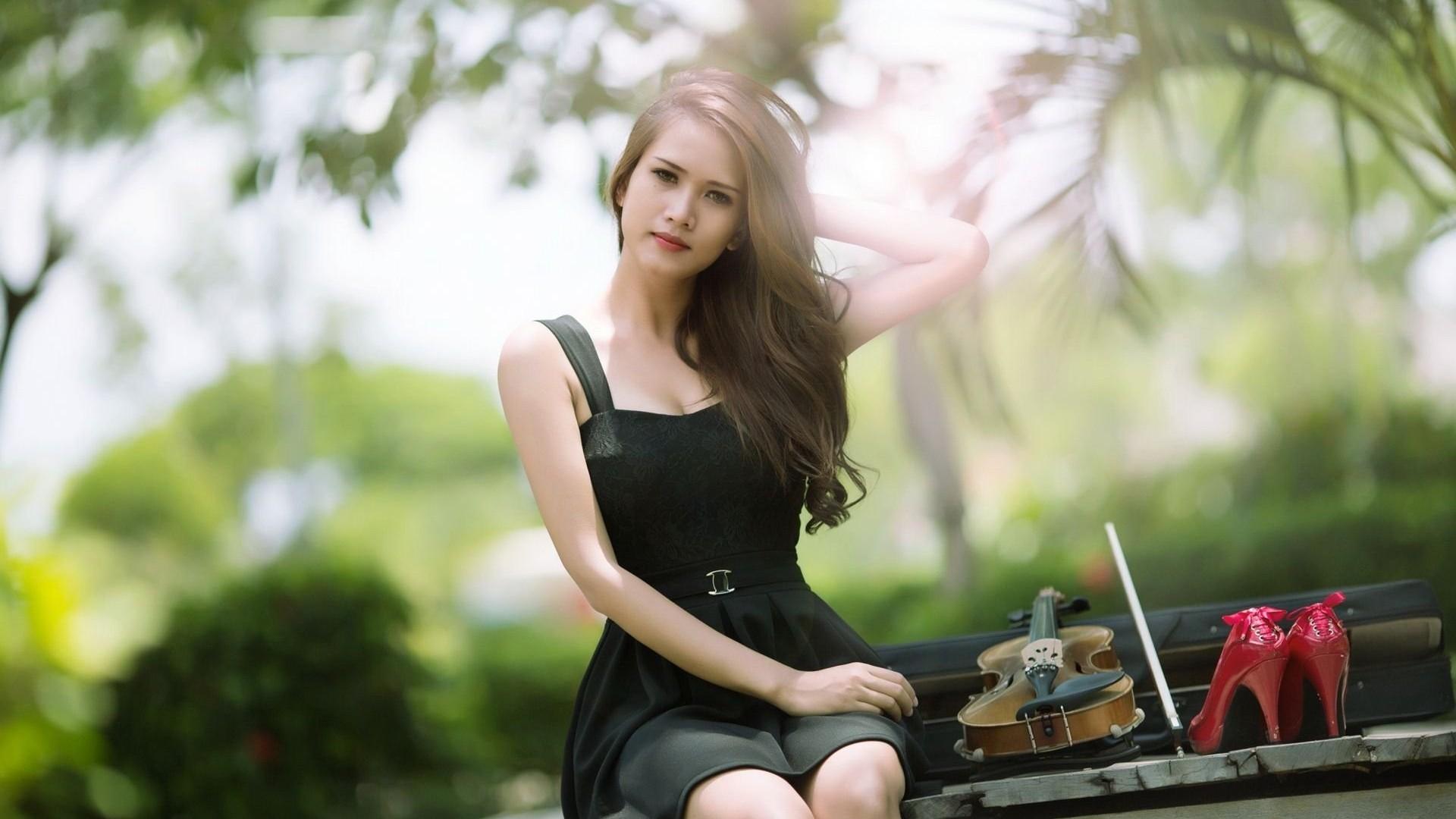 Beautiful women in the world wallpaper