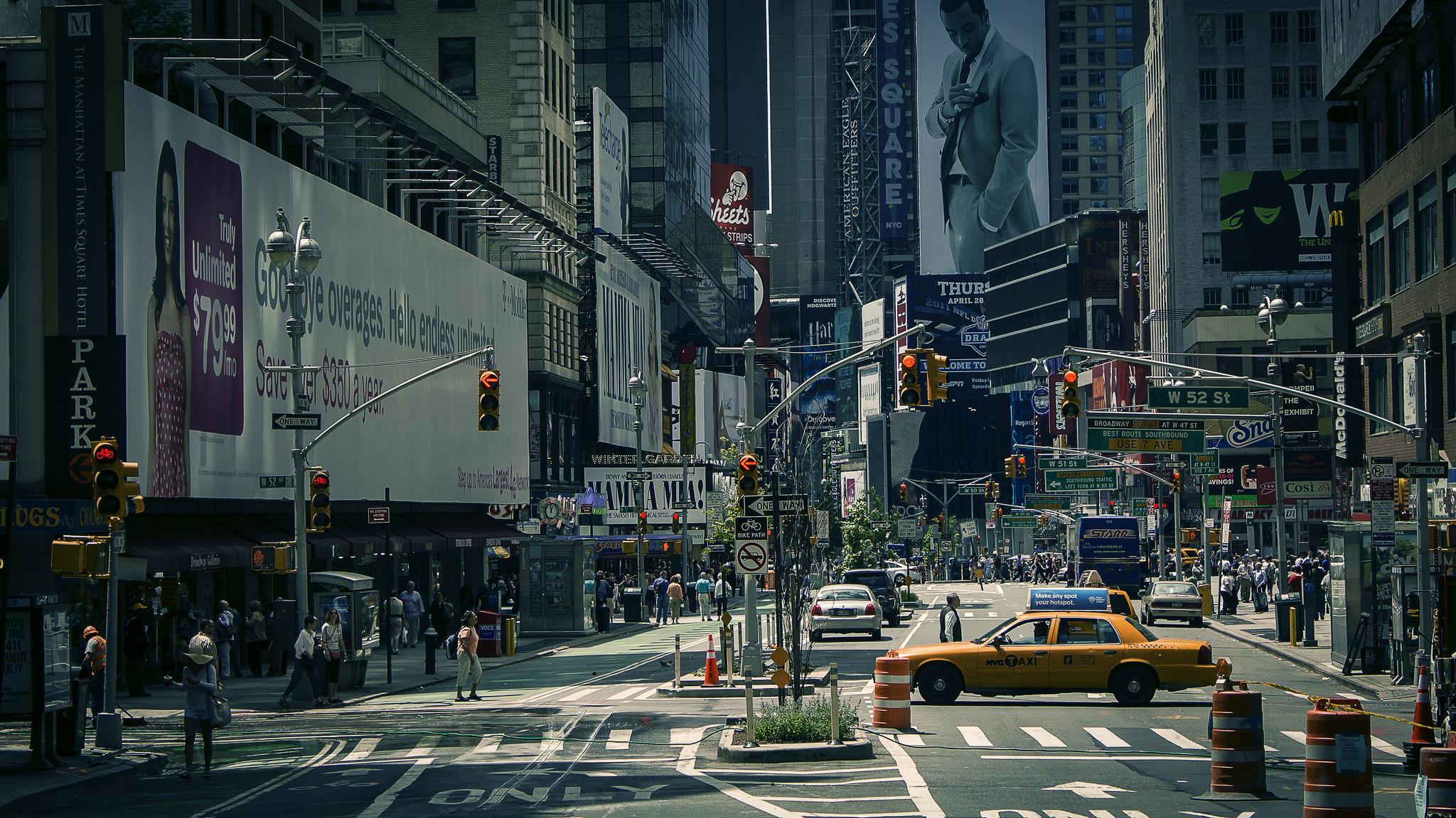 2048x1152 New York City Street World HD Desktop Wallpaper