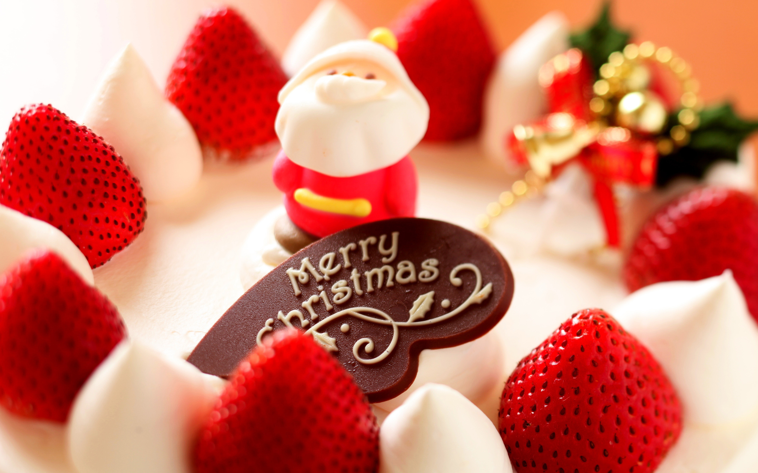 2880x1800 Holiday - Christmas Cake Sweets Santa Strawberry Chocolate Wallpaper