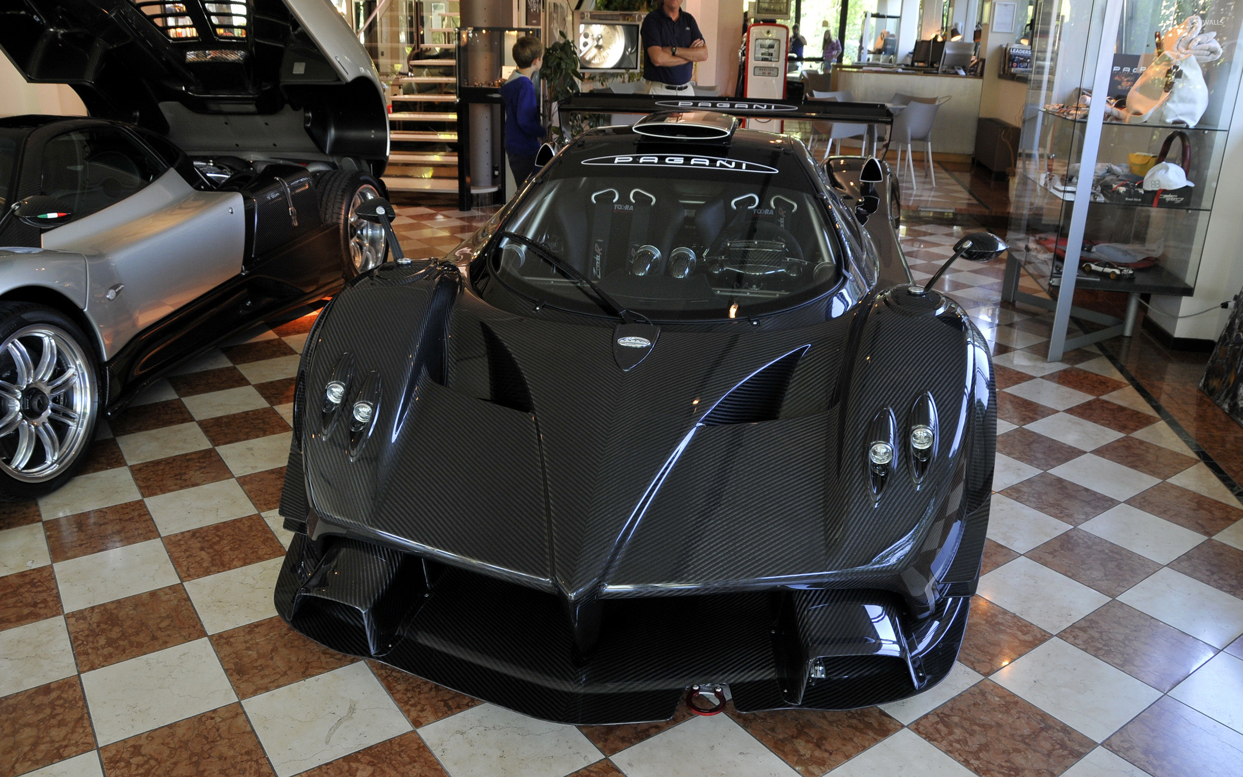 2560x1600 Black Pagani Zonda R in a museum wallpaper