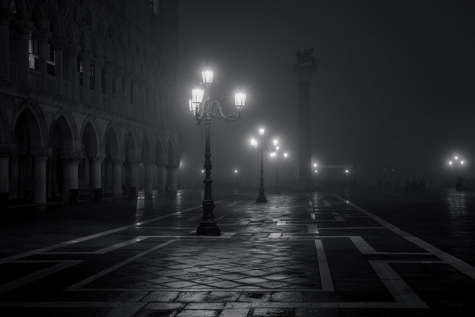 Must see Wallpaper Night Black And White - 351235  HD.jpg