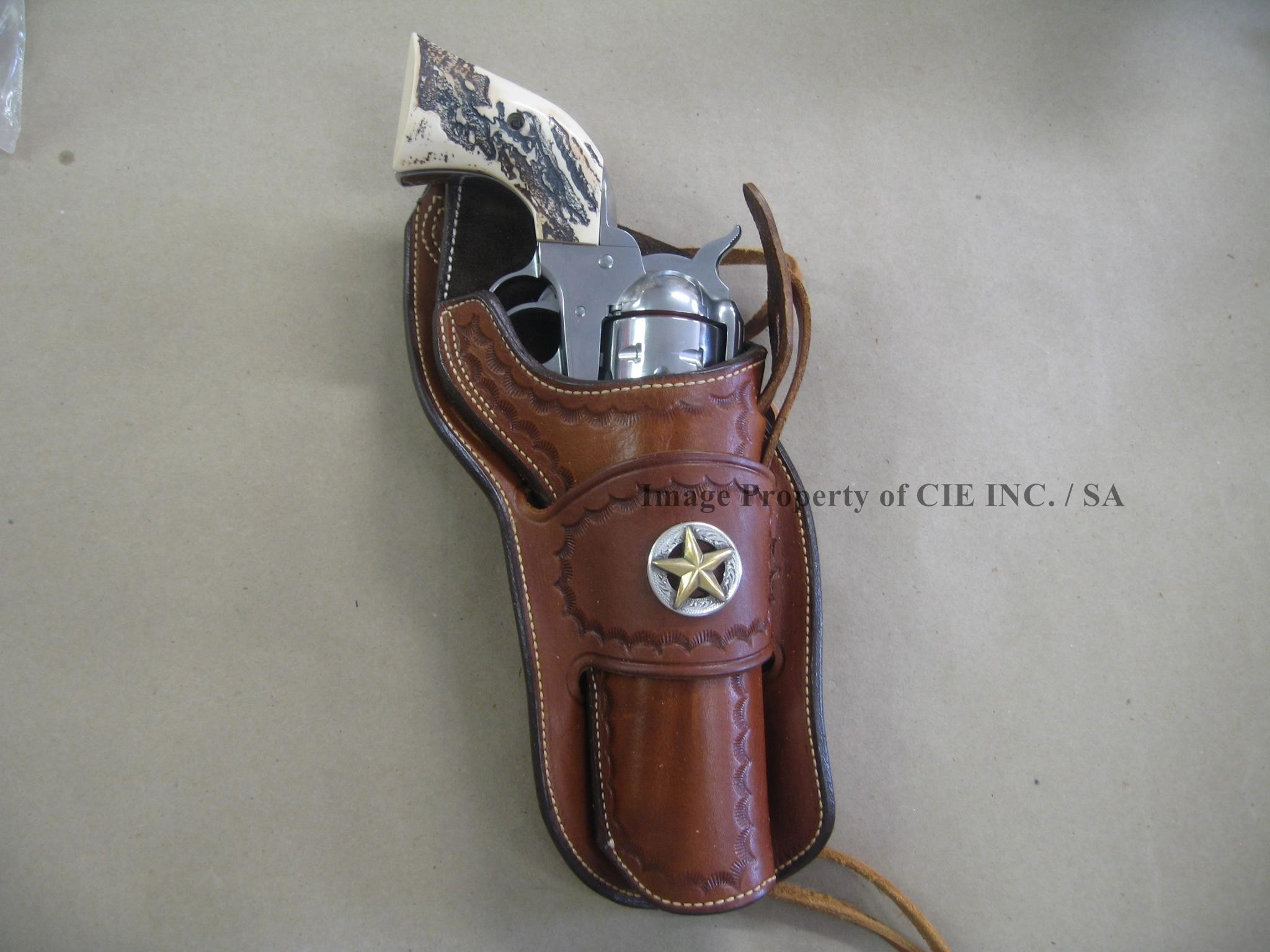 2048x1536 Ross Leather M30S Classic Western Holster Tooling & Concho 4 5/8 Ruger  Blackhawk