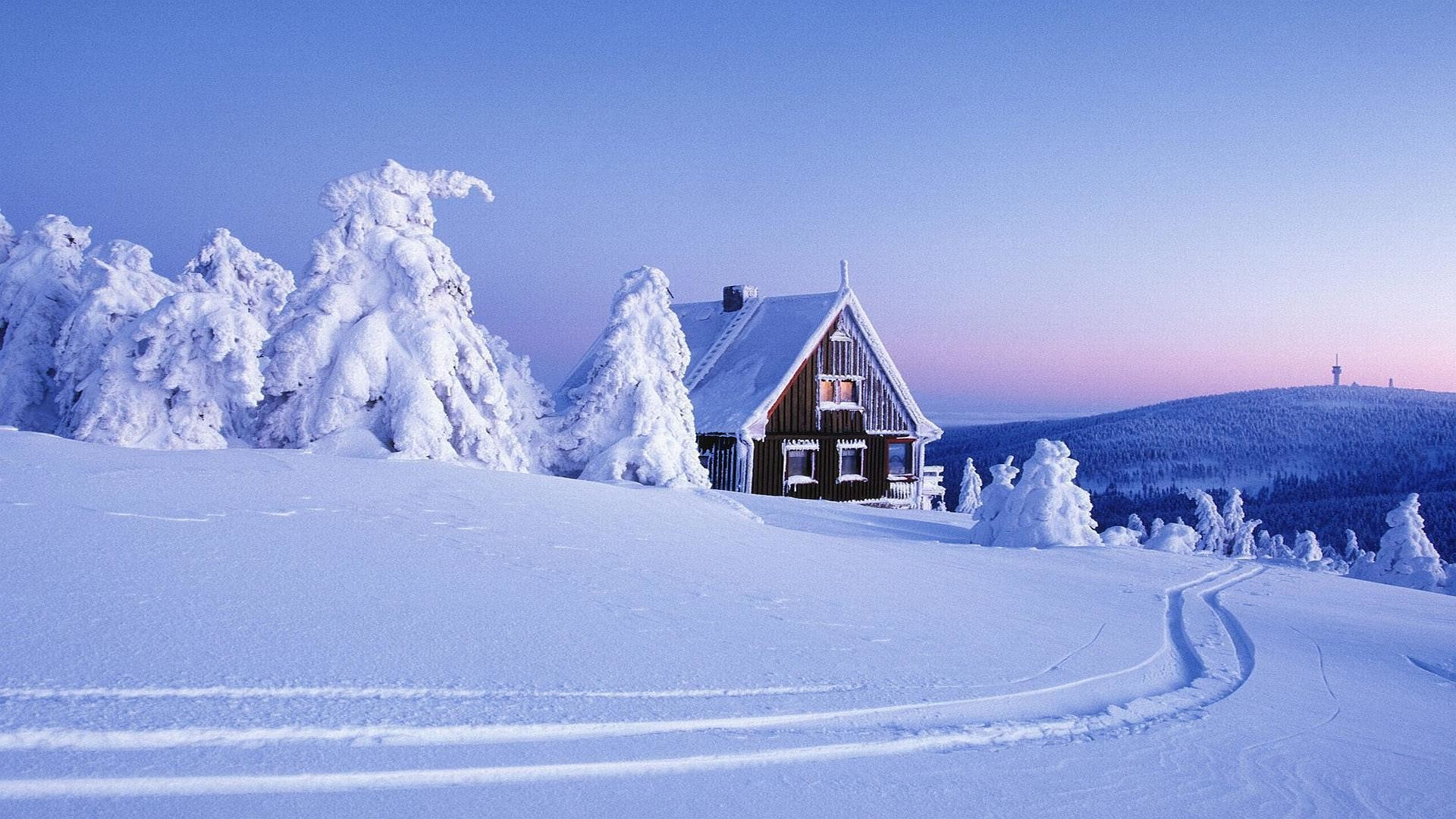 1920x1080 Real Life Cosy Christmas House Wallpaper