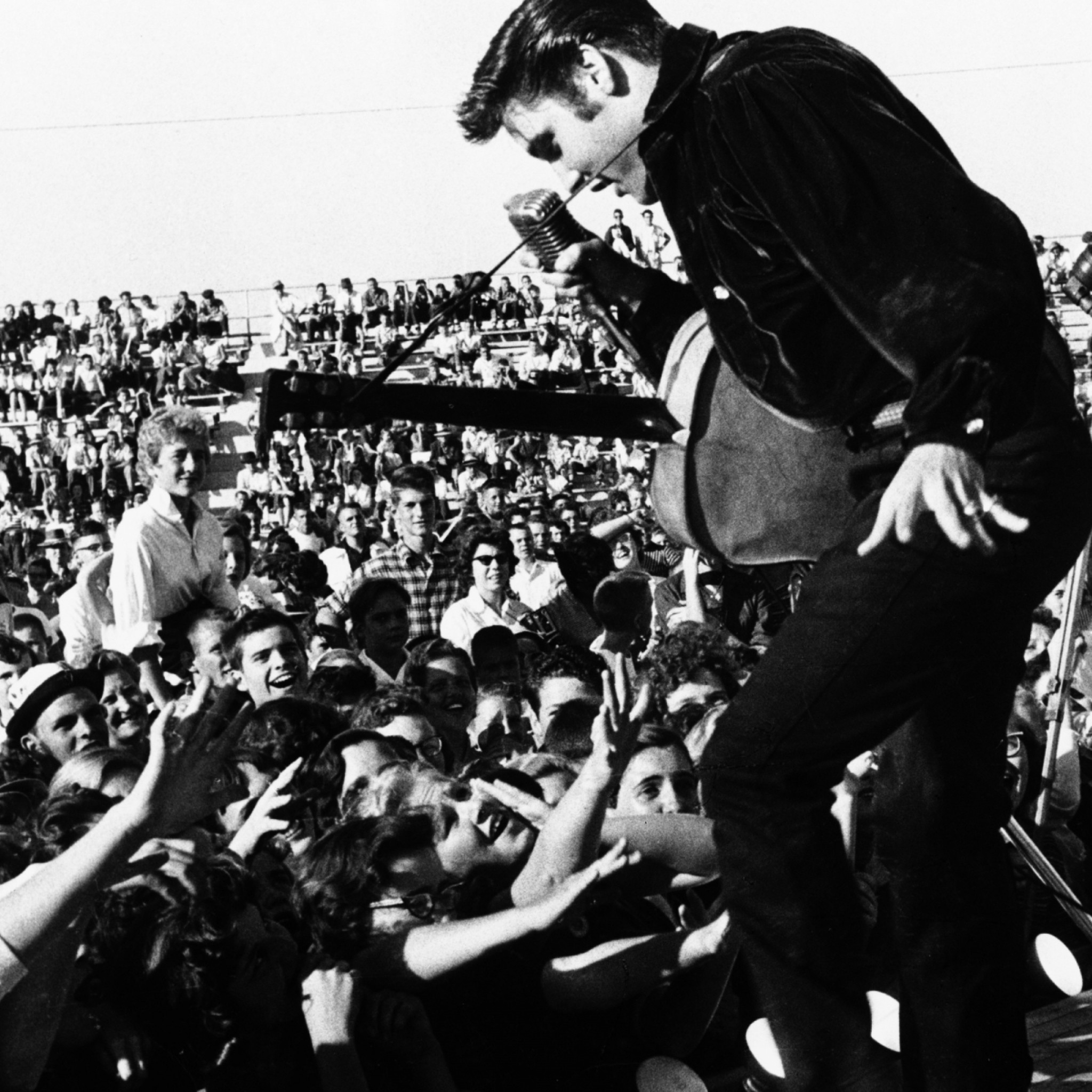 2048x2048 Preview wallpaper elvis presley, concert, funs, guitar, microphone