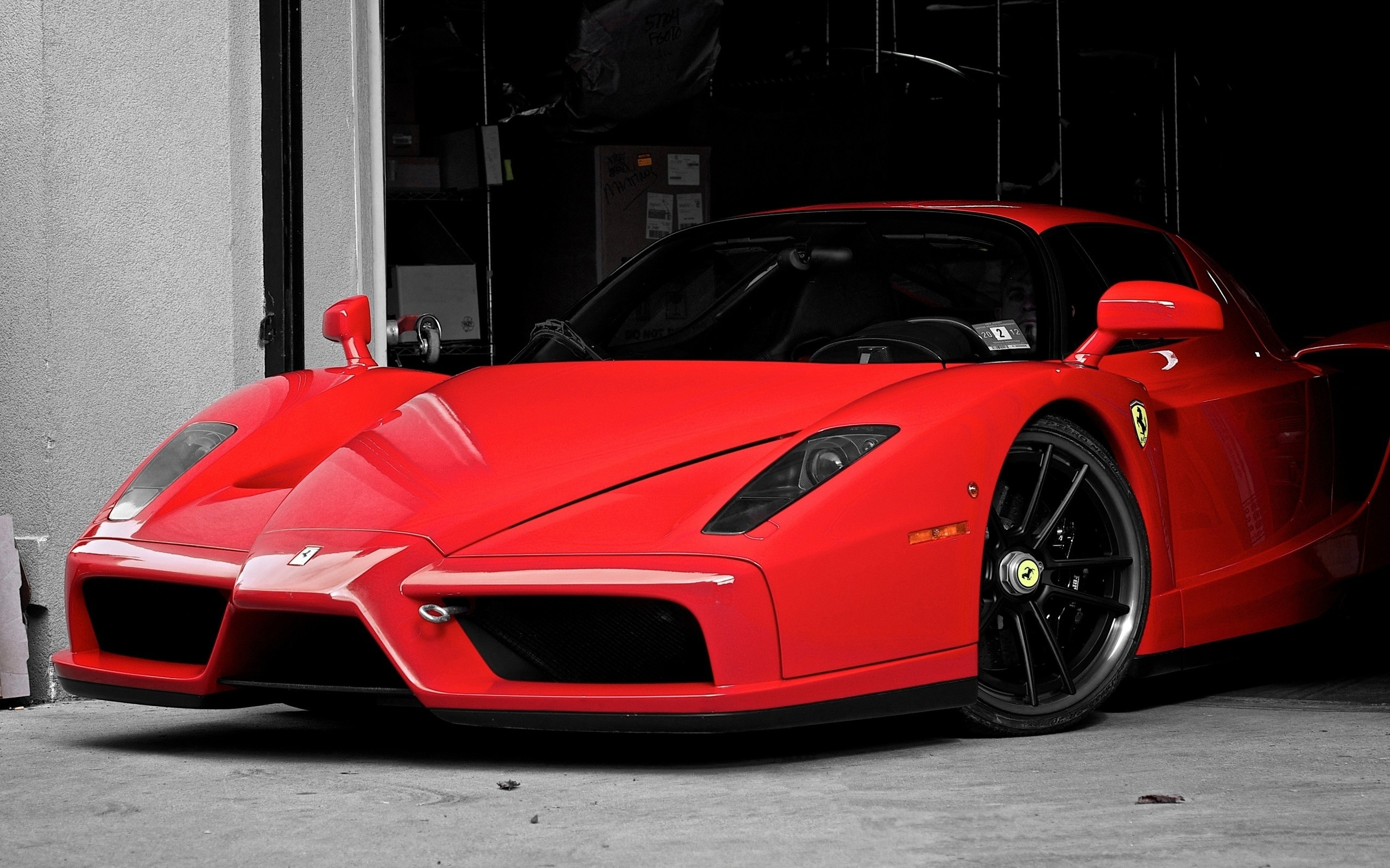 2560x1600 Cars supercars ferrari enzo garages wallpaper