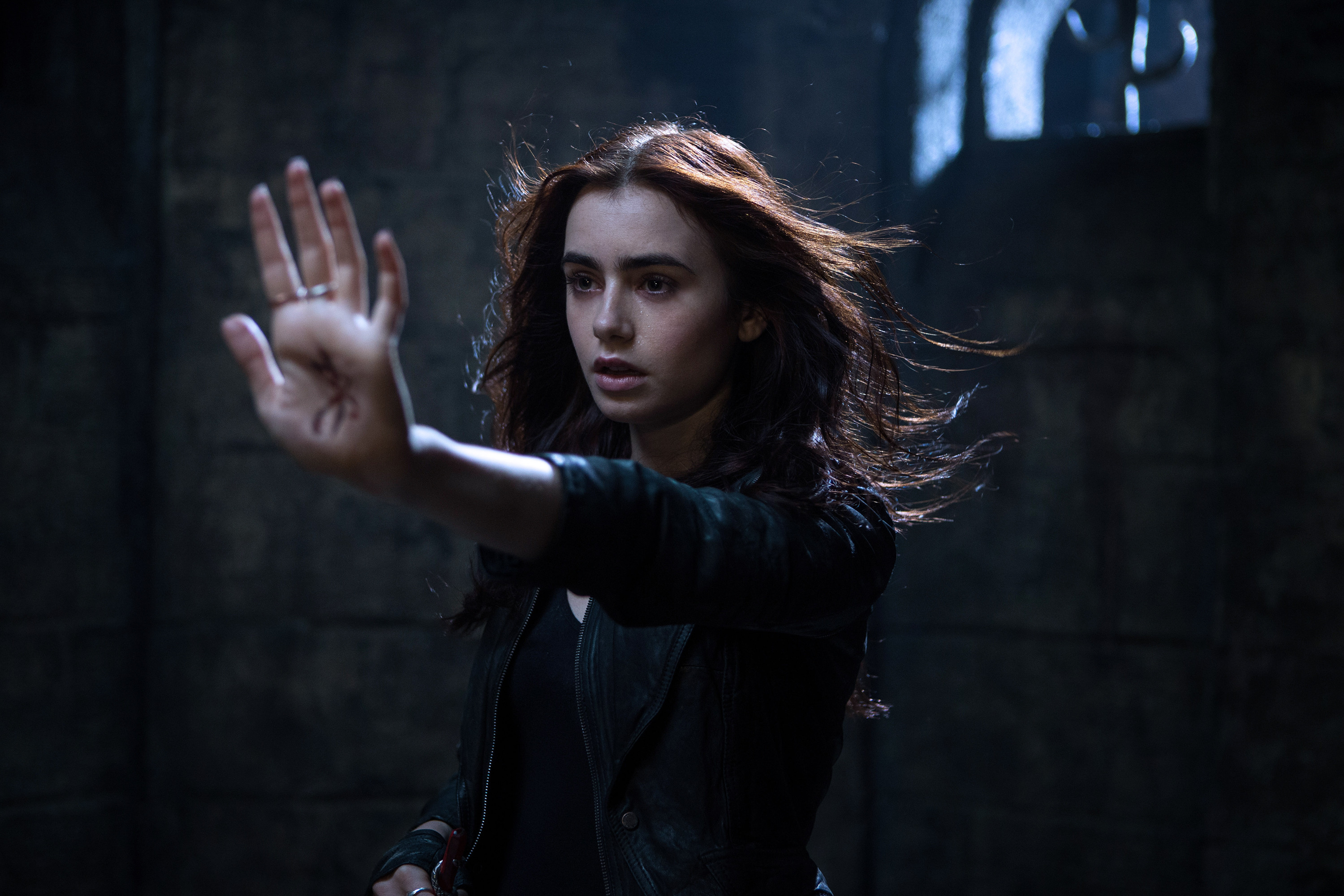 3000x2000 the-mortal-instruments-city-of-bones-lily-collins