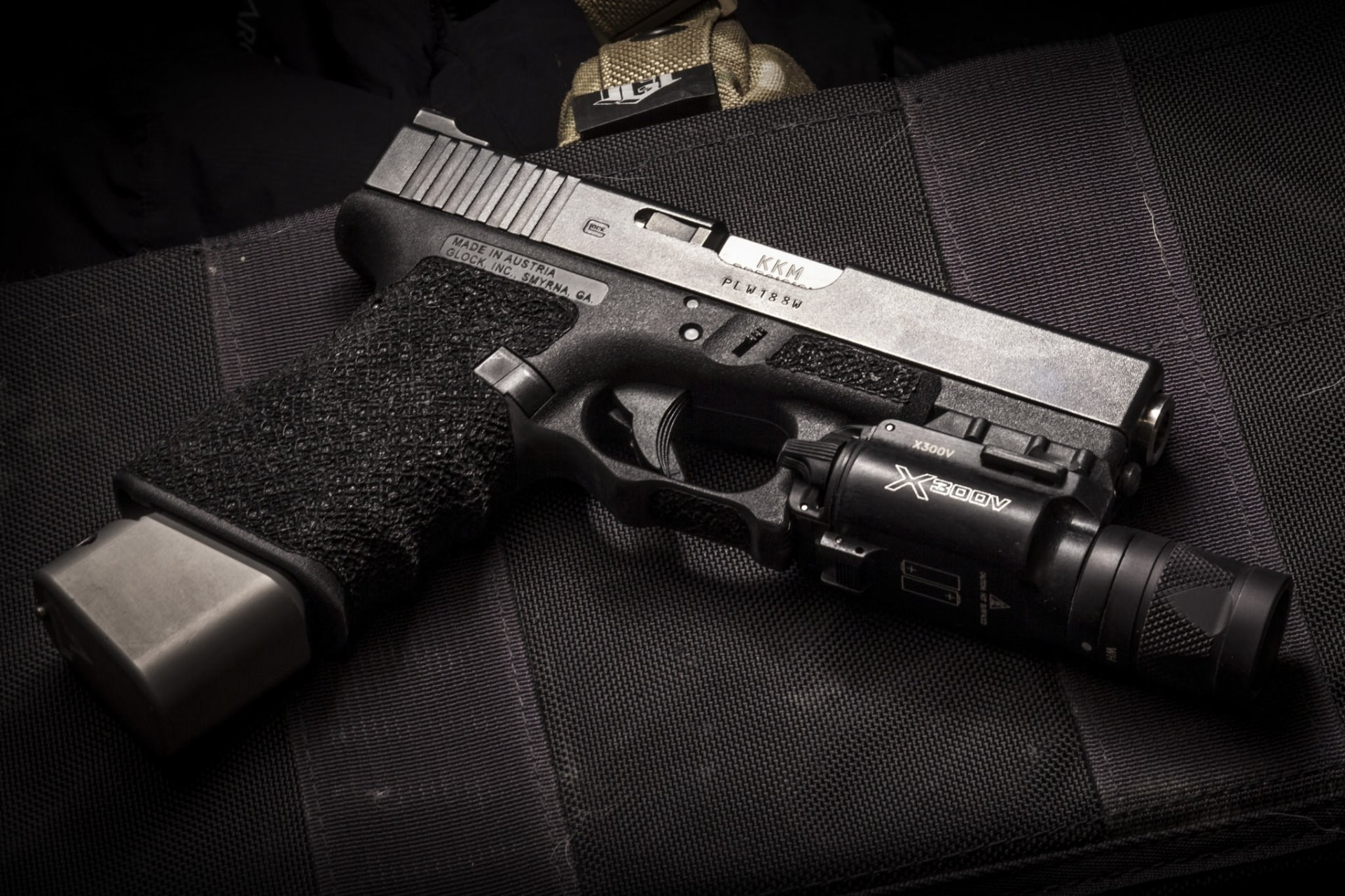 1920x1280 2048 x 1152 glock wallpapers - photo #5