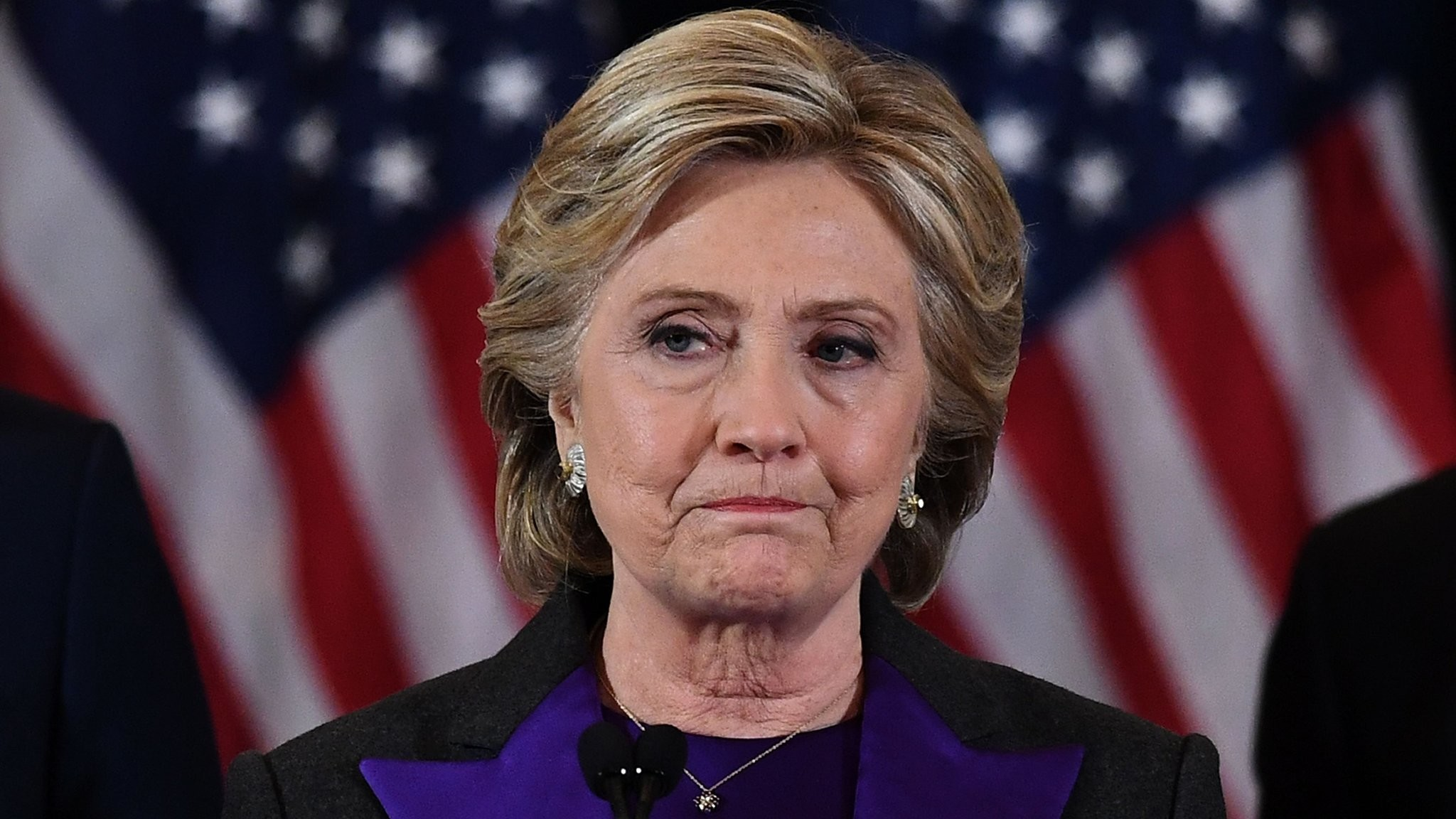 2048x1152 Emotional Clinton sees her dream of returning to the White House disappear