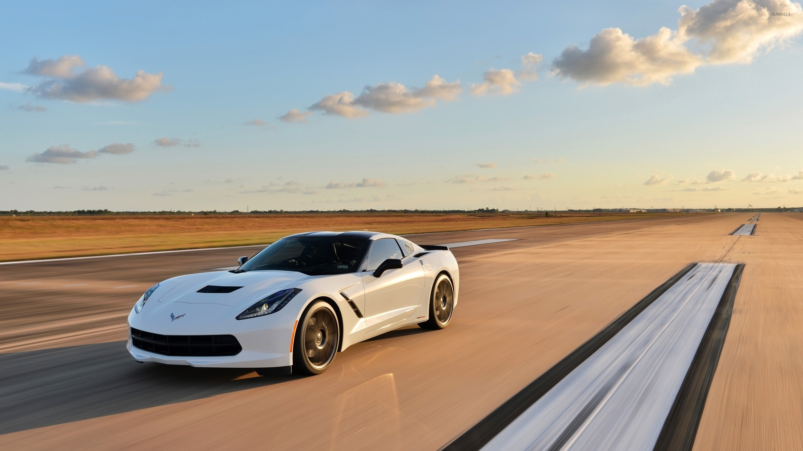 2560x1440 White Chevrolet Corvette C7 Stingray wallpaper
