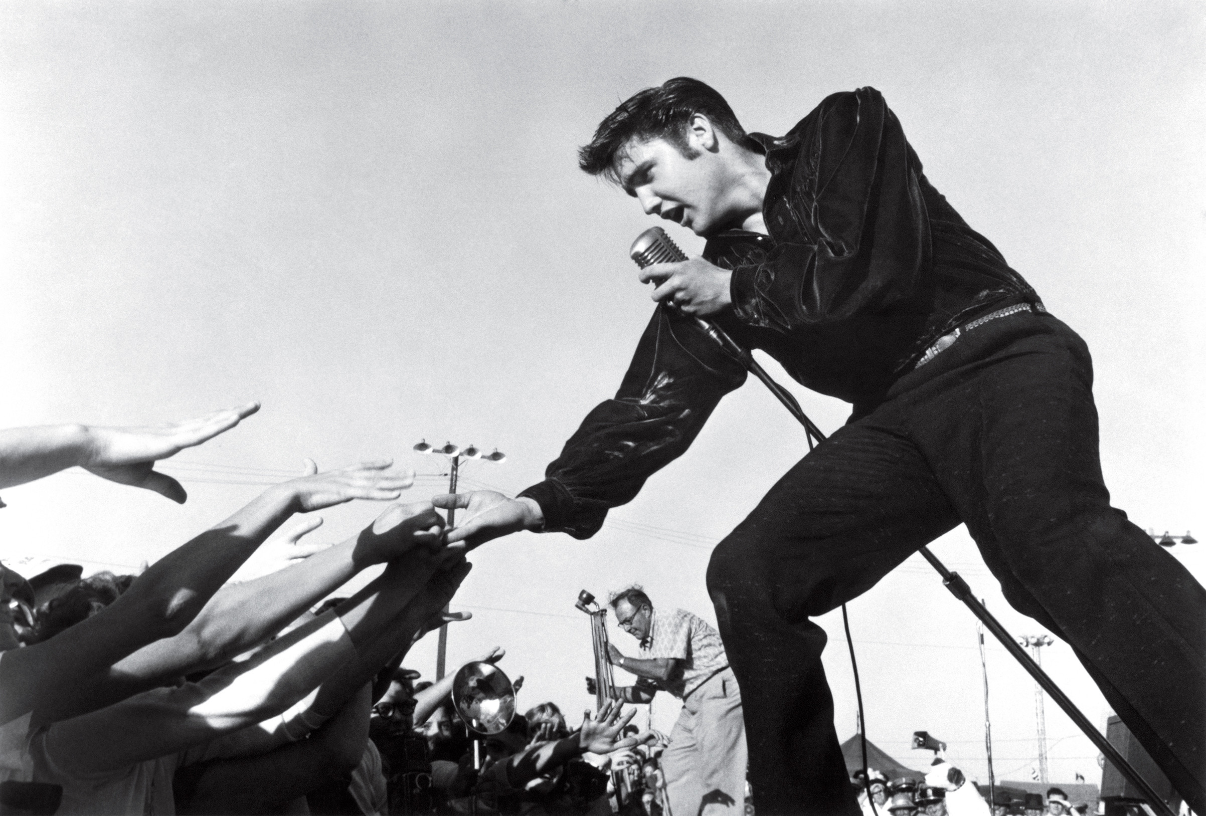 2405x1628 Elvis Presley performing at the Mississippi-Alabama Fair and Dairy Show in  1956 in Tupelo
