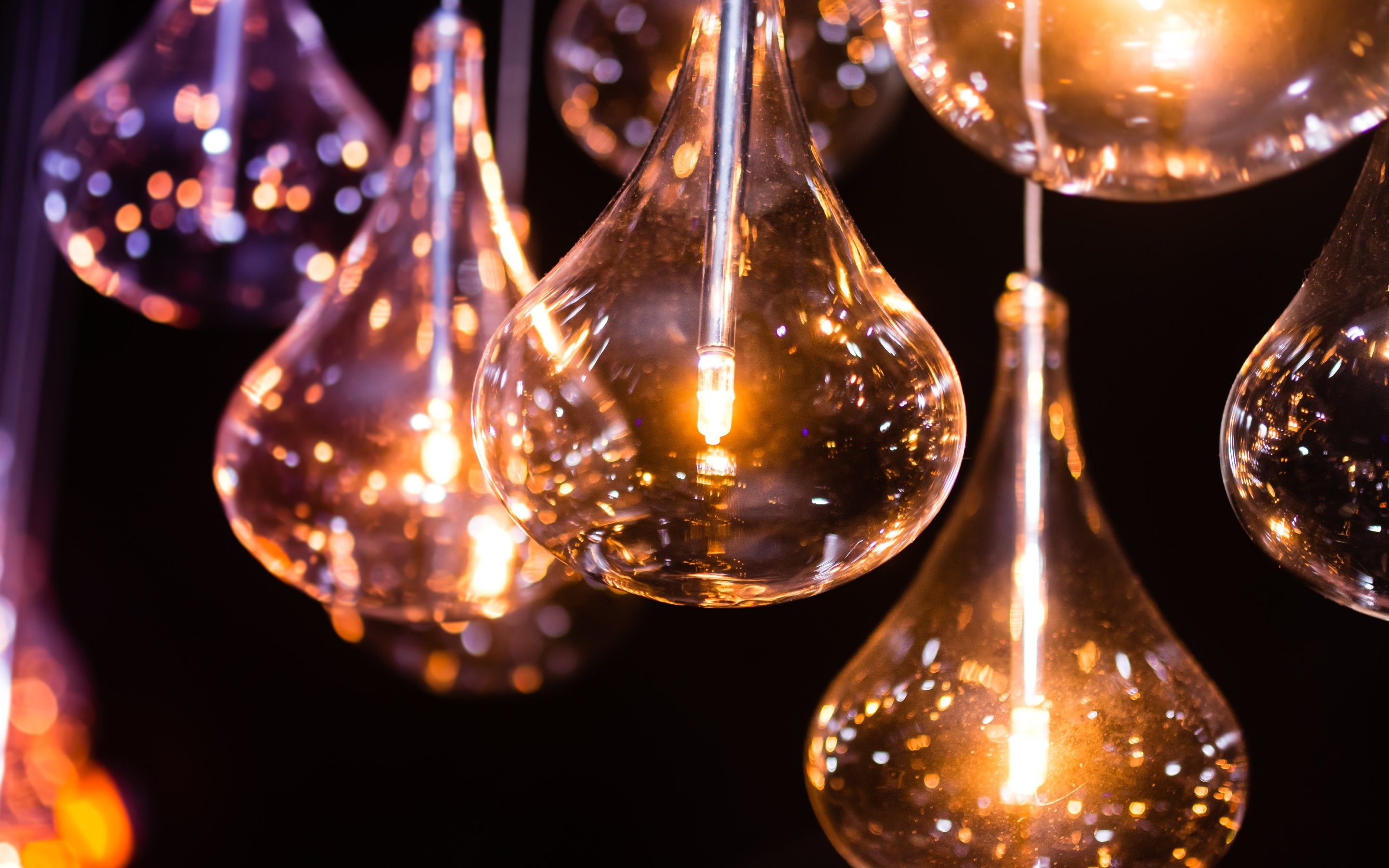 2880x1800 4K HD Wallpaper: Light Bulbs. The Miracle of Electricity