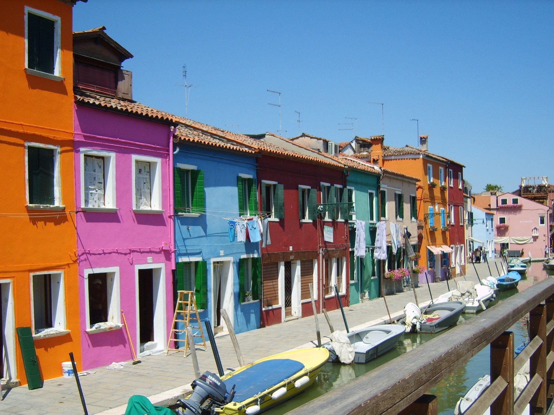 1920x1440 Wallpaper colorful houses venice italy