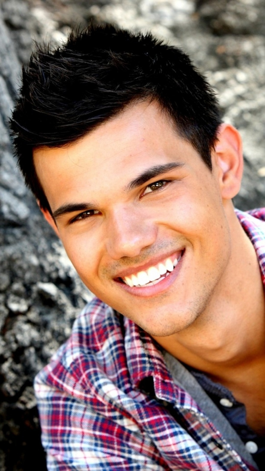 1080x1920  Wallpaper taylor lautner, actor, smile