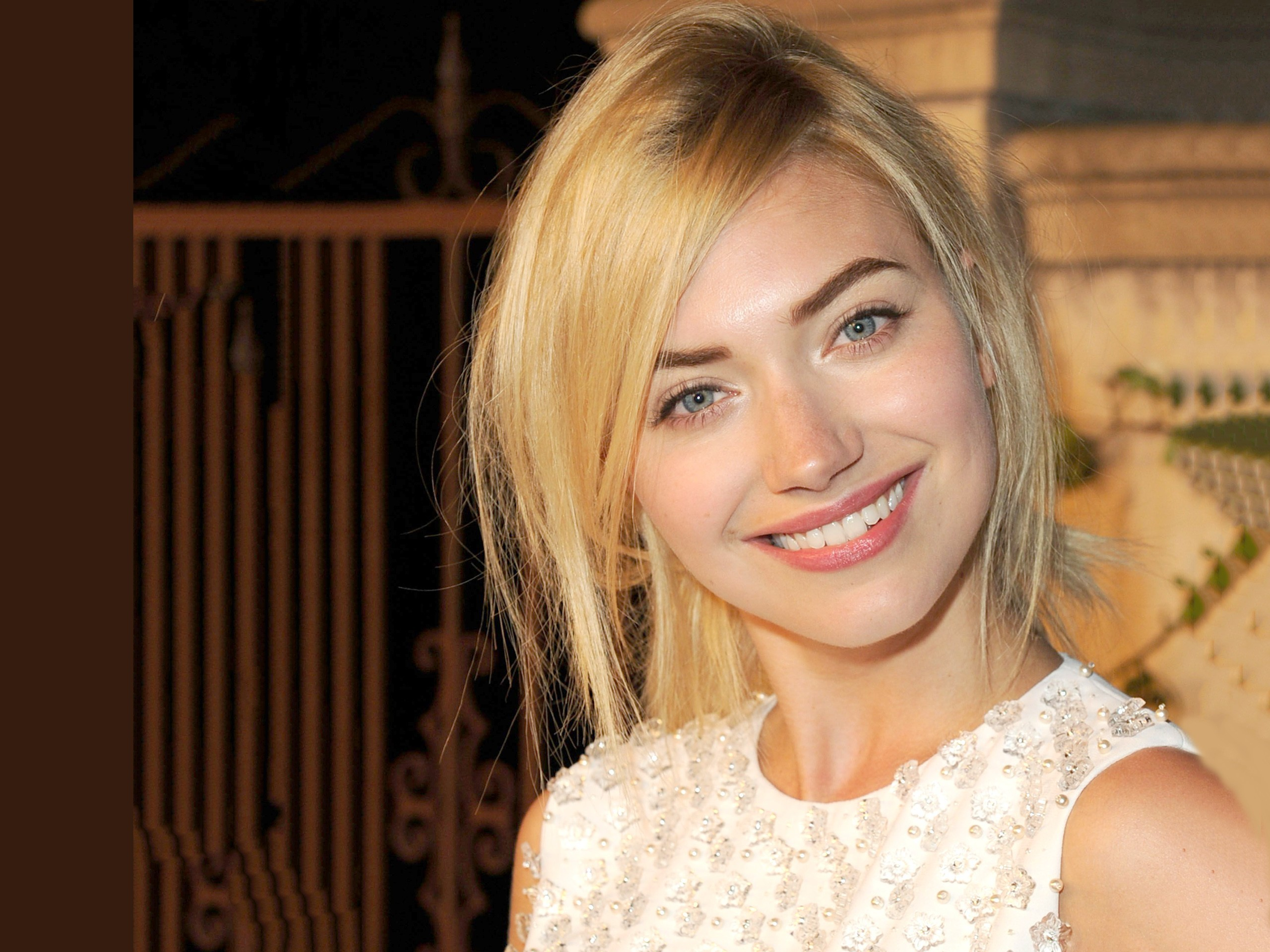 2560x1920 Imogen Poots blondes close-up faces smiling wallpaper  http://downtimechecker.com