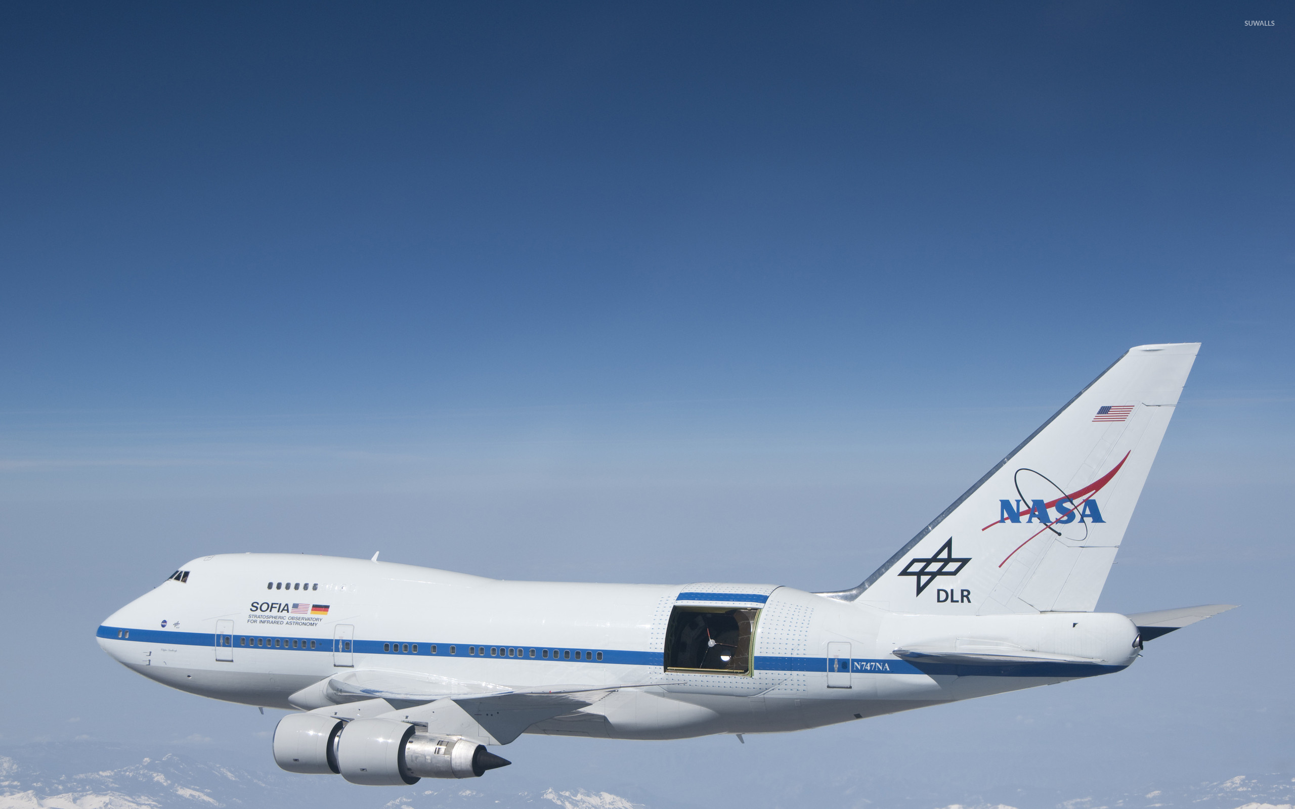 2560x1600 Nasa Boeing 747 in-flight wallpaper
