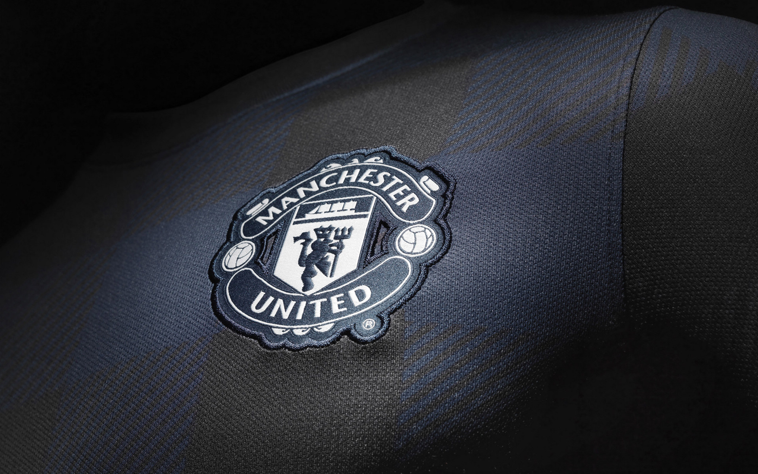 2560x1600 Download Manchester United Wallpapers HD Wallpaper