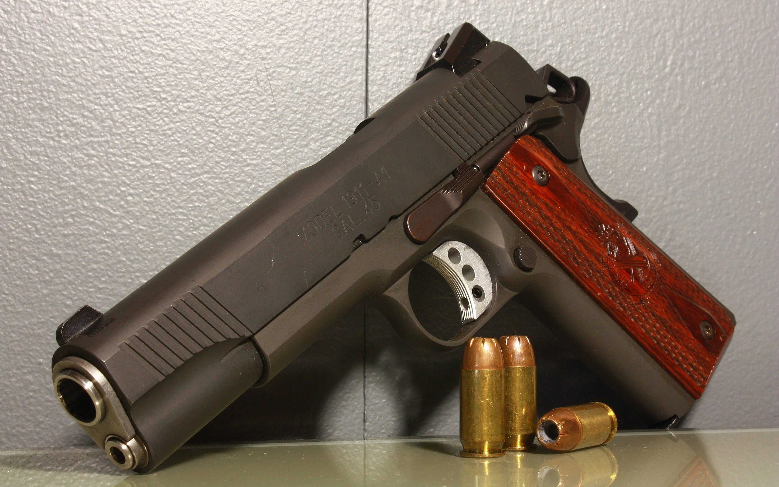 2560x1600 Weapons - Springfield Armory 1911 Pistol Wallpaper