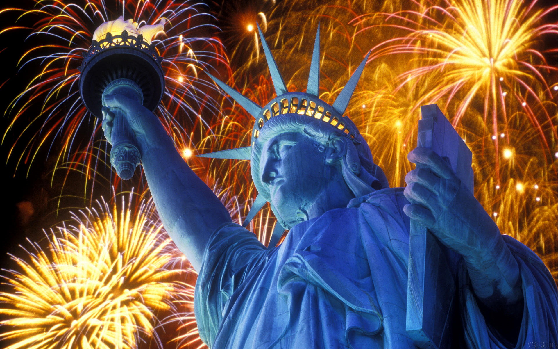 1920x1200 Statue Of Liberty Fireworks Wallpaper