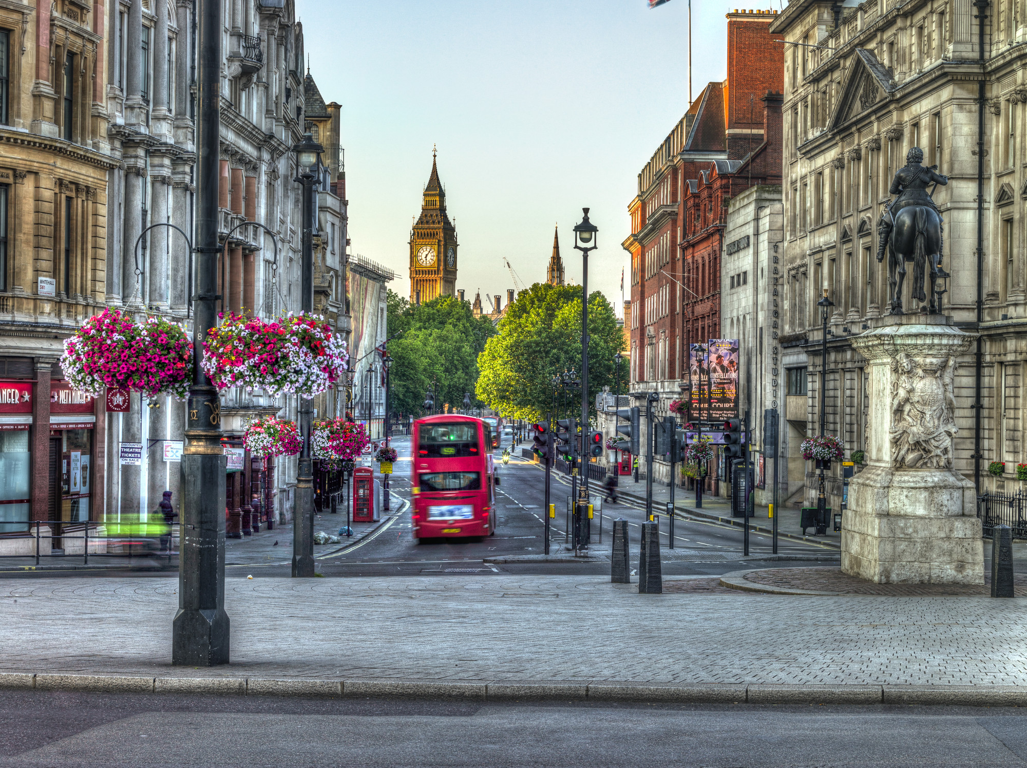 2000x1495 Streets of London city with Double Decker Bus wallpaper mural