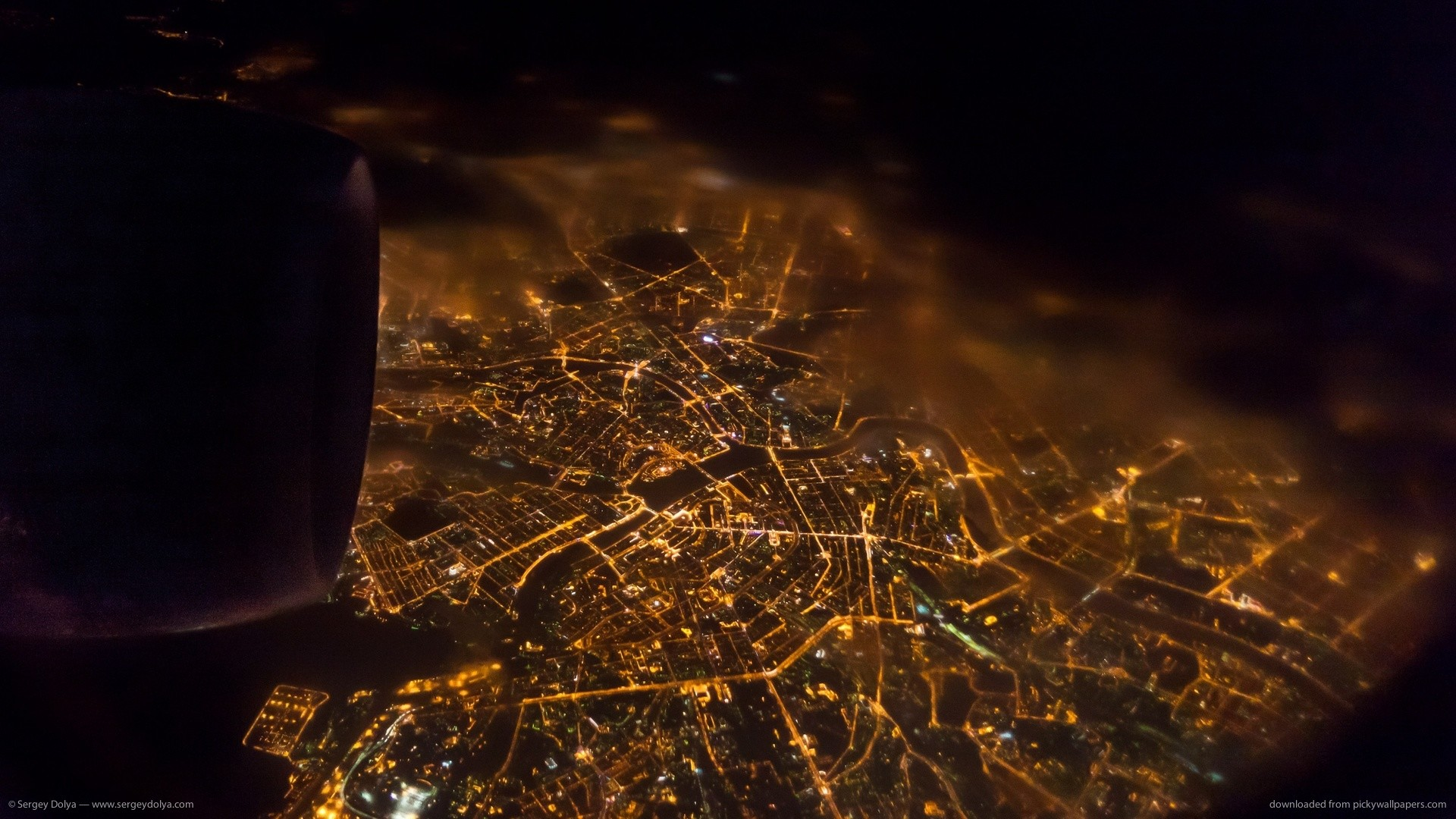 1920x1080 Night Saint-Petersburg view from an aircraft scuttle picture