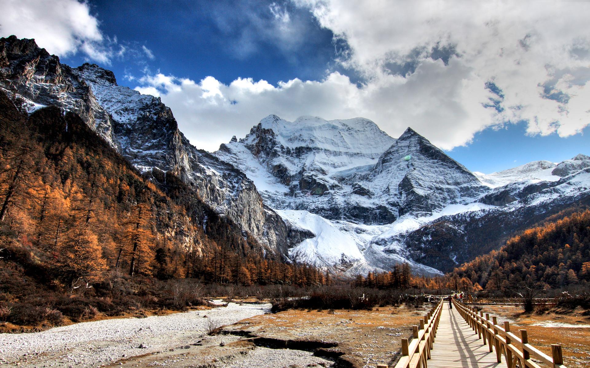 Simple Wallpaper Mountain Winter - 368696  Graphic_100754.jpg