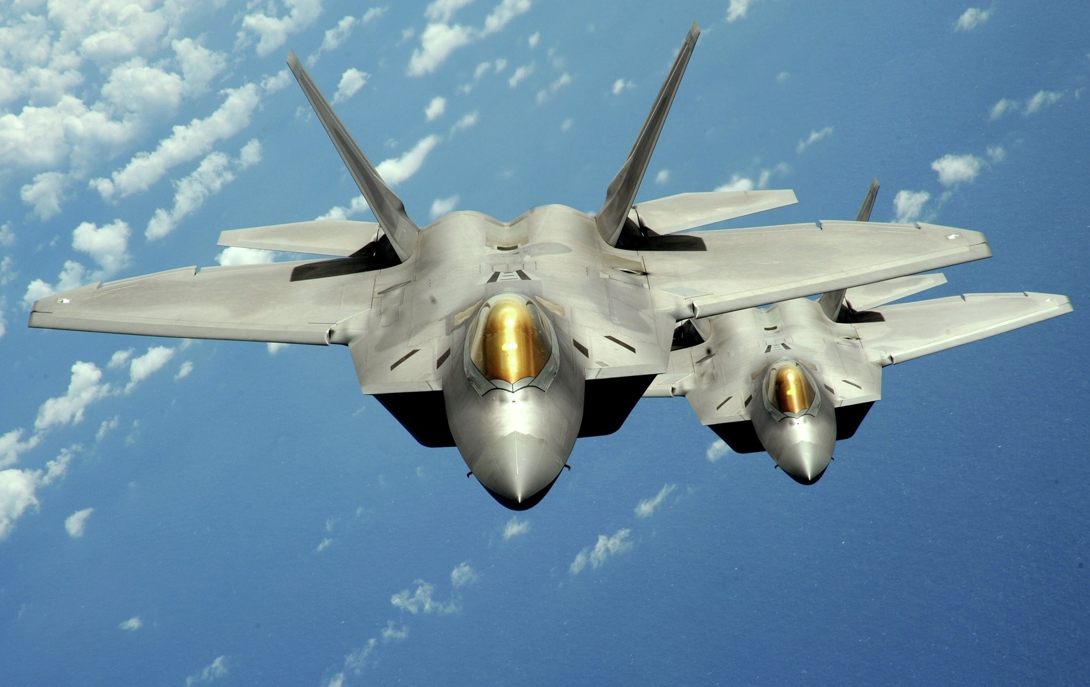 2200x1388 Military - Lockheed Martin F-22 Raptor Jet Fighter Wallpaper