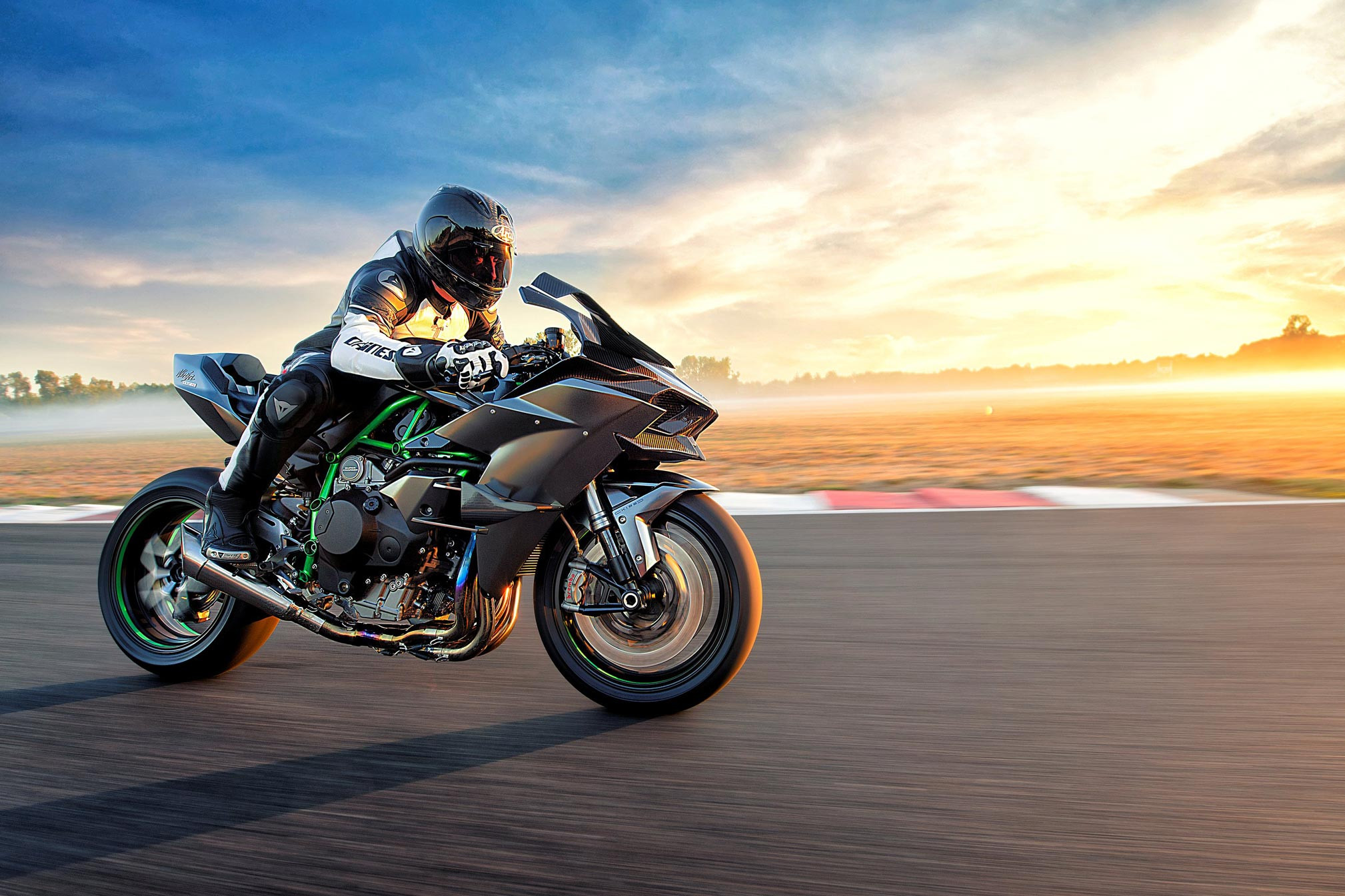 2018x1345 Complete Spec and features of Kawasaki Ninja H2R